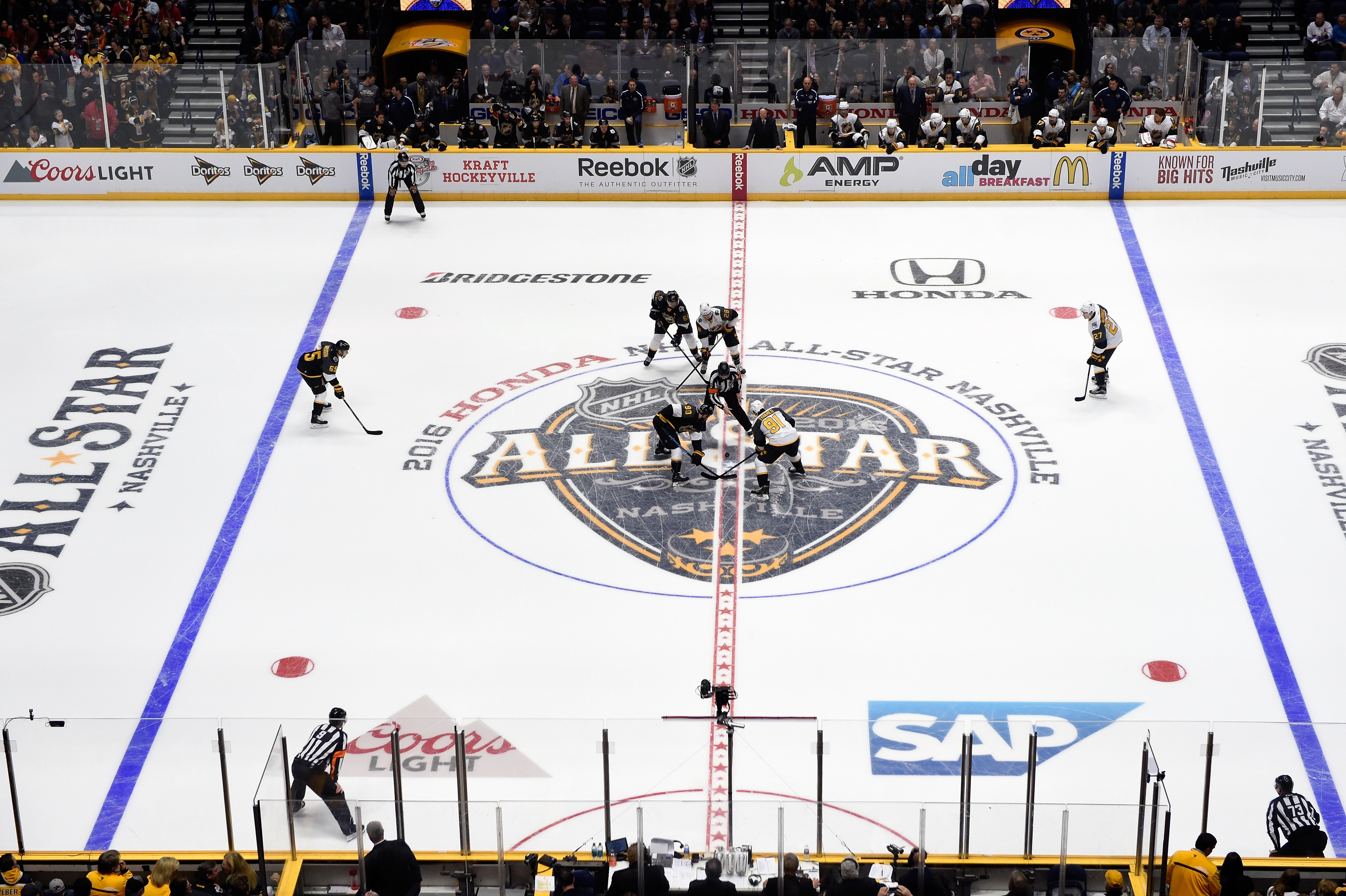 John Tavares of the New York Islanders faces off against Ryan O'Reilly of the Buffalo Sabres to start the Eastern Conference semifinal game between the Atlantic Division and the Metropolitan Division. (Photo by Sanford Myers/Getty Images)