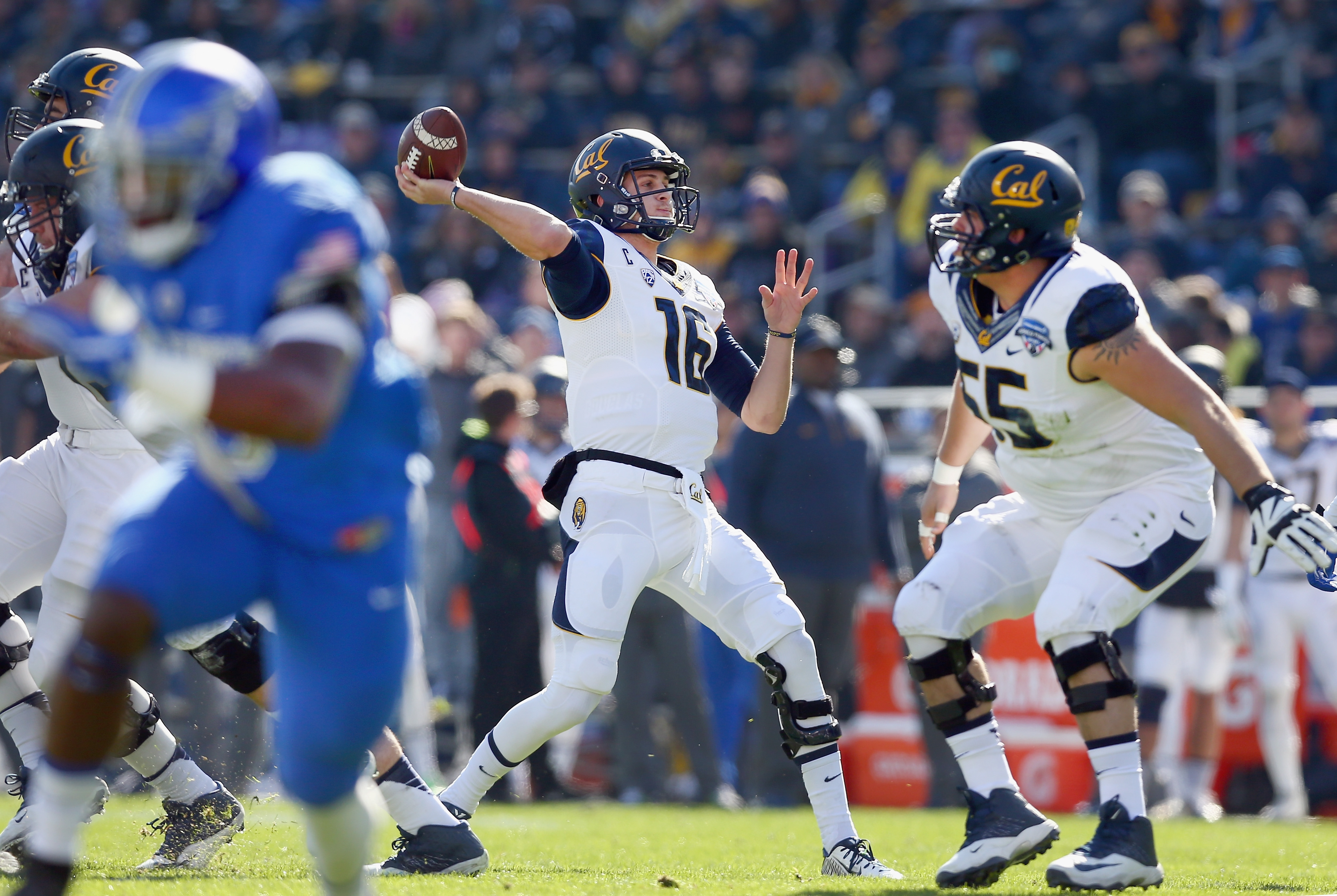 It's easy to see a scenario where the Dallas Cowboys trade up and take Cal quarterback Jared Goff first overall in the NFL Draft.(Getty Images)