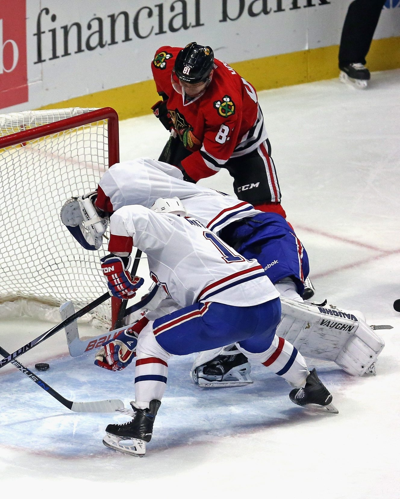 Marian Hossa, right, and the Chicago Blackhawks have to play better than they did during a two-game stretch in the state of Florida if they want to go back on another lengthy winning streak, according to Hossa.