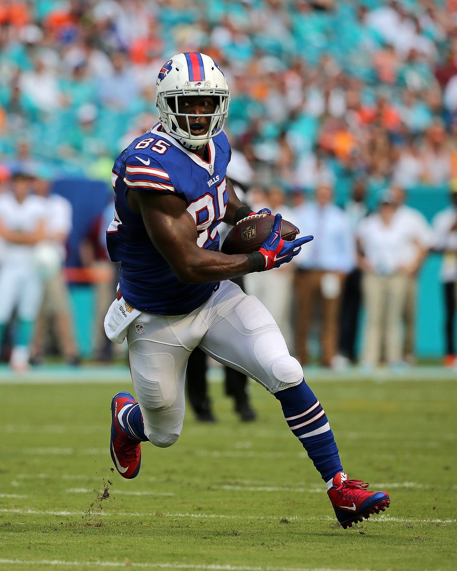 3 lie ncut Charles Clay #85 of the Buffalo Bills scores a touchdown during a game against the Miami Dolphins at Sun Life Stadium on September 27, 2015 in Miami Gardens, Florida.  (Photo by Mike Ehrmann/)