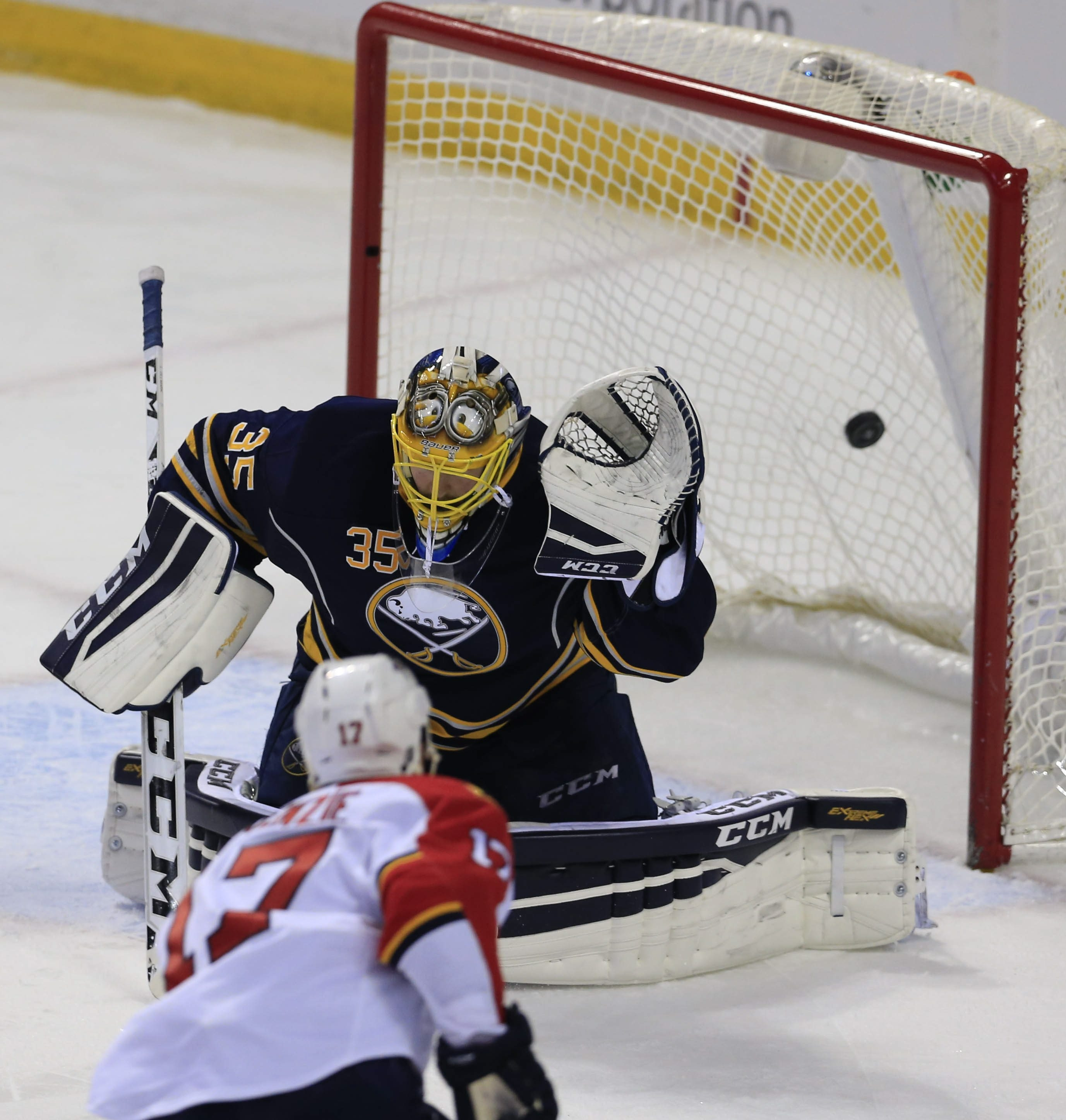 Florida's Derek MacKenzie scores against Buffalo goaltender Linus Ullmark in the second period Tuesday, snapping a 1-1 tie.