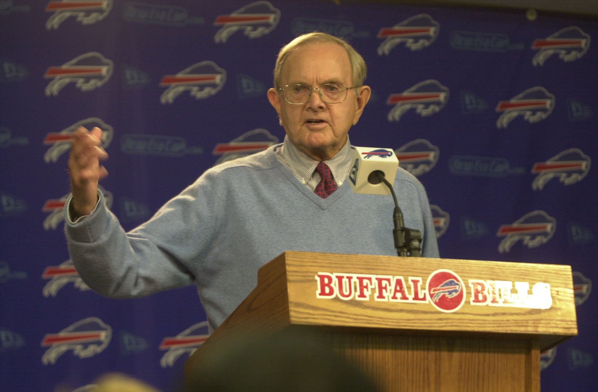 Buffalo Bills owner Ralph Wilson talks at a press conference for Andre Reed's retirement on Sept. 8, 2001. (John Hickey/Buffalo News)