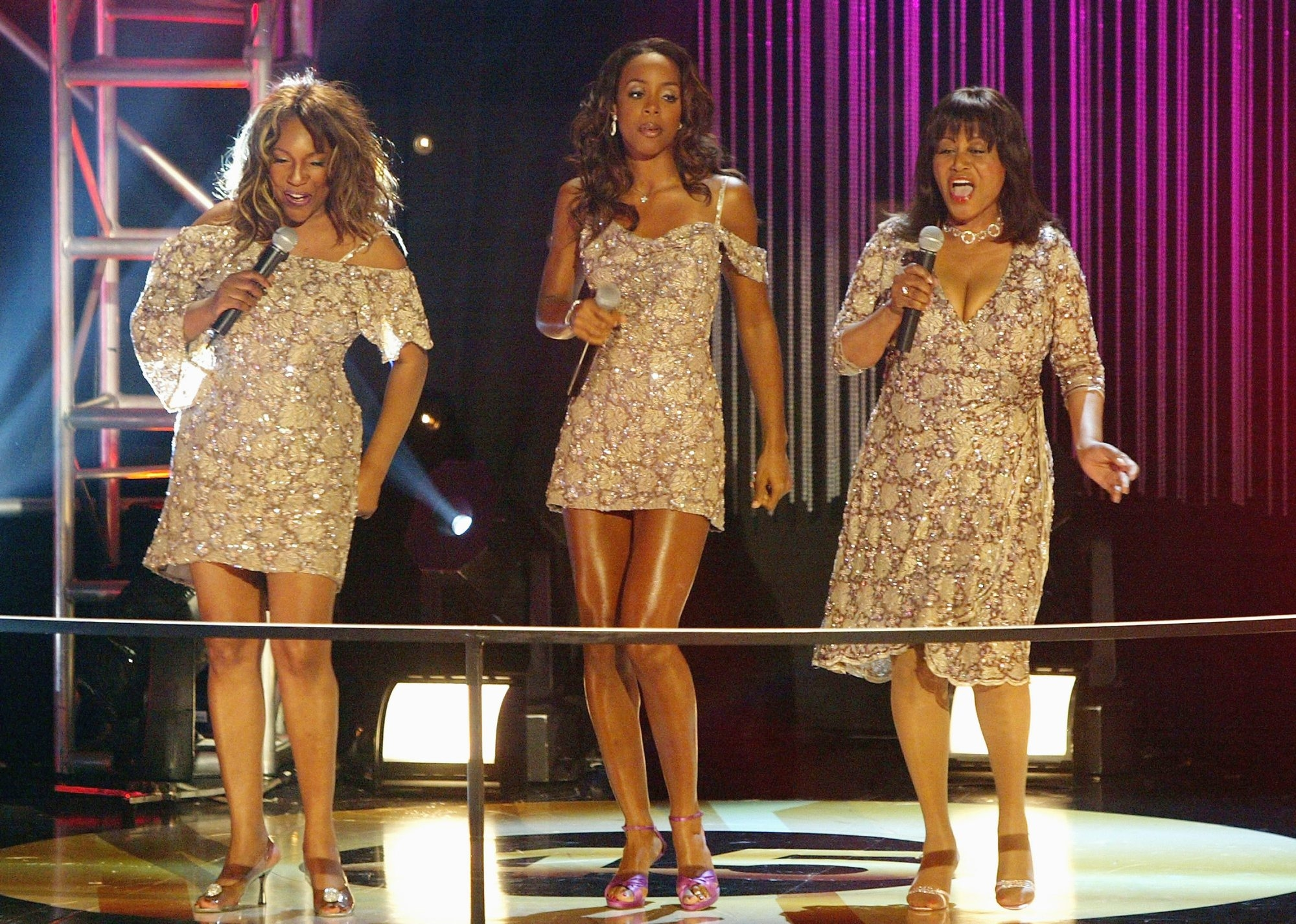 Mary Wilson, with her strong, soulful voice, put her own stamp on the Supremes' songs Saturday in Diamond Room.