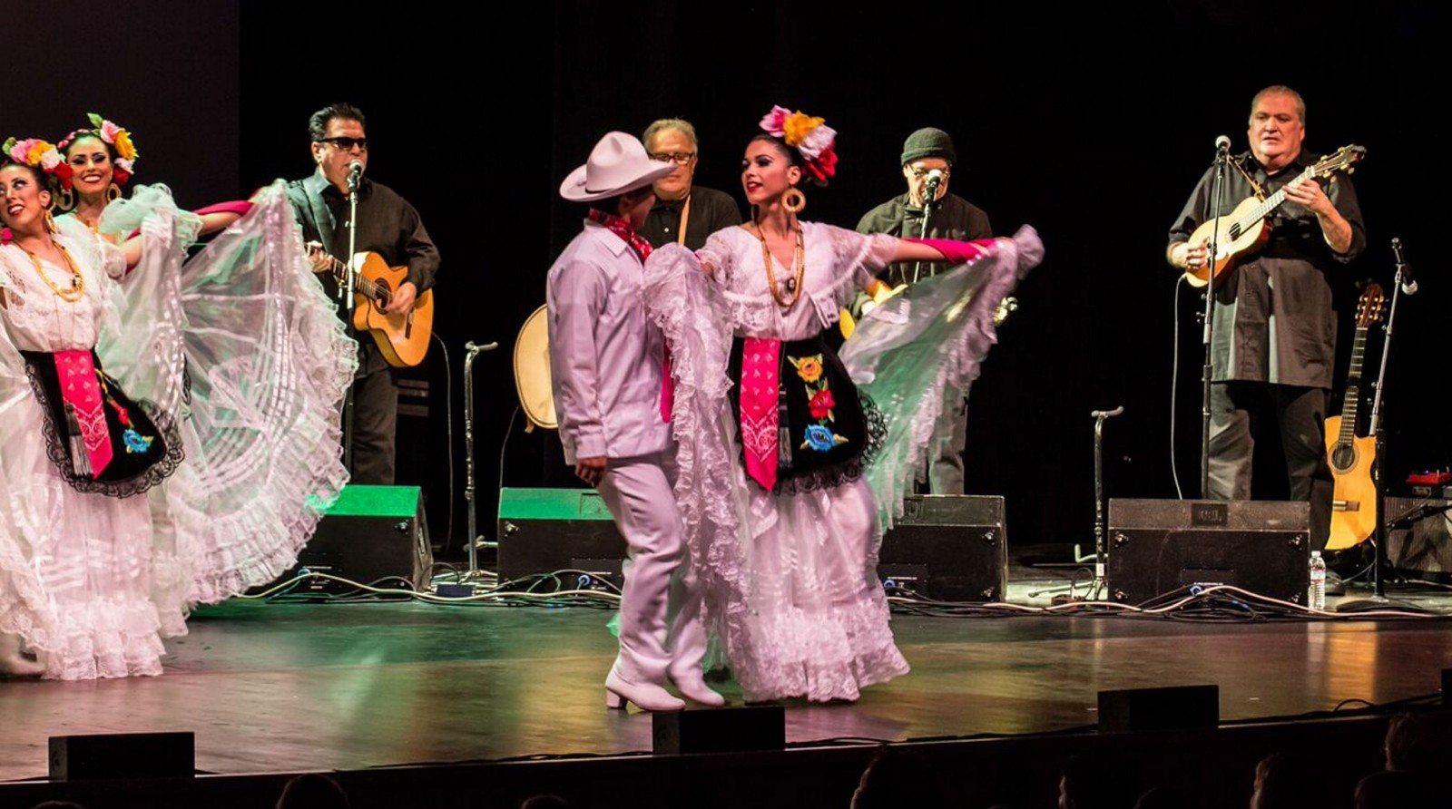 Los Lobos and Ballet Folkloric Mexicano performed at the University at Buffalo Center for the Arts.