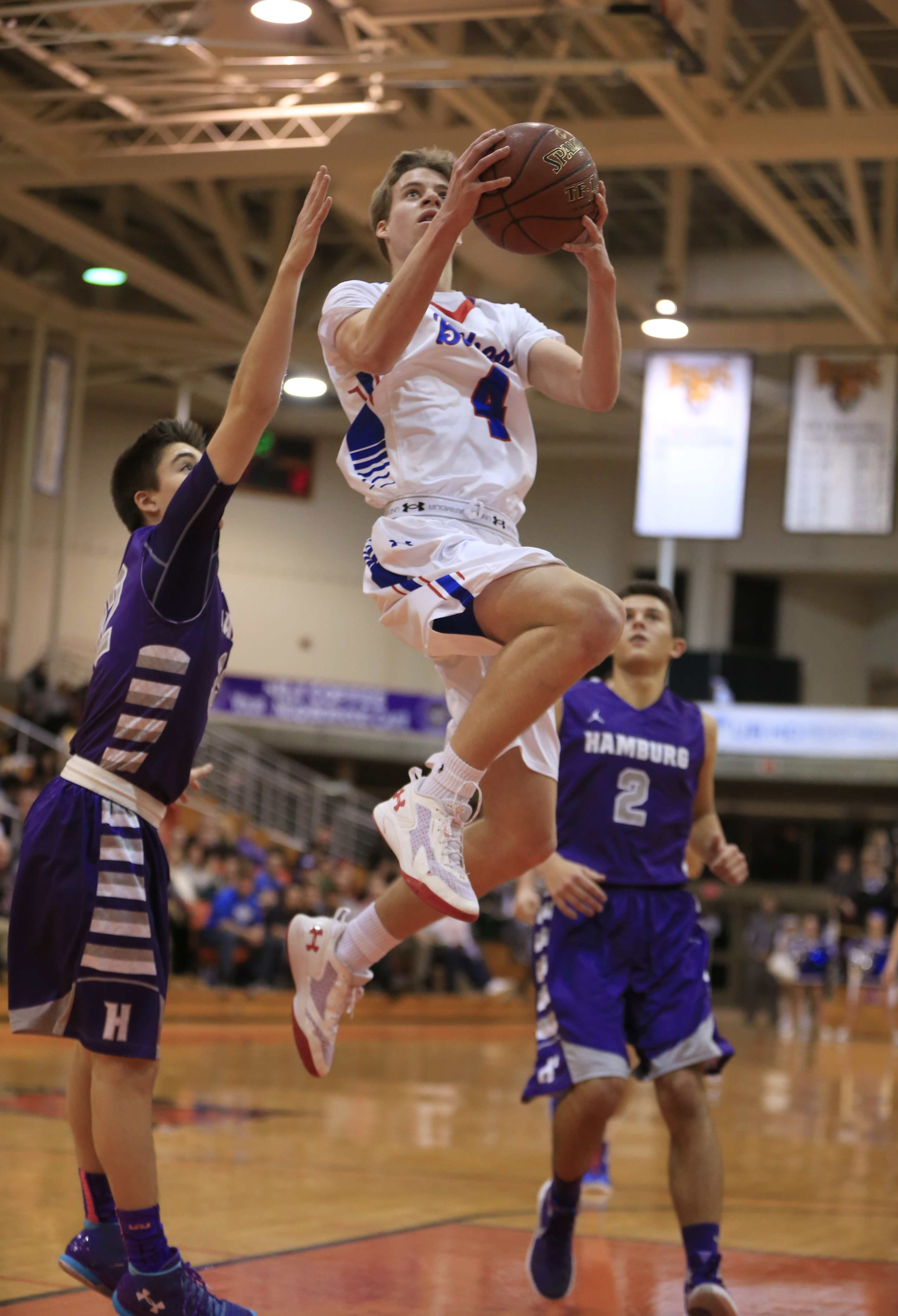 Williamsville South sophomore Greg Dolan scored 31 points as the Billies advanced to the Class A-1 title game with a 68-49 win over Hamburg.