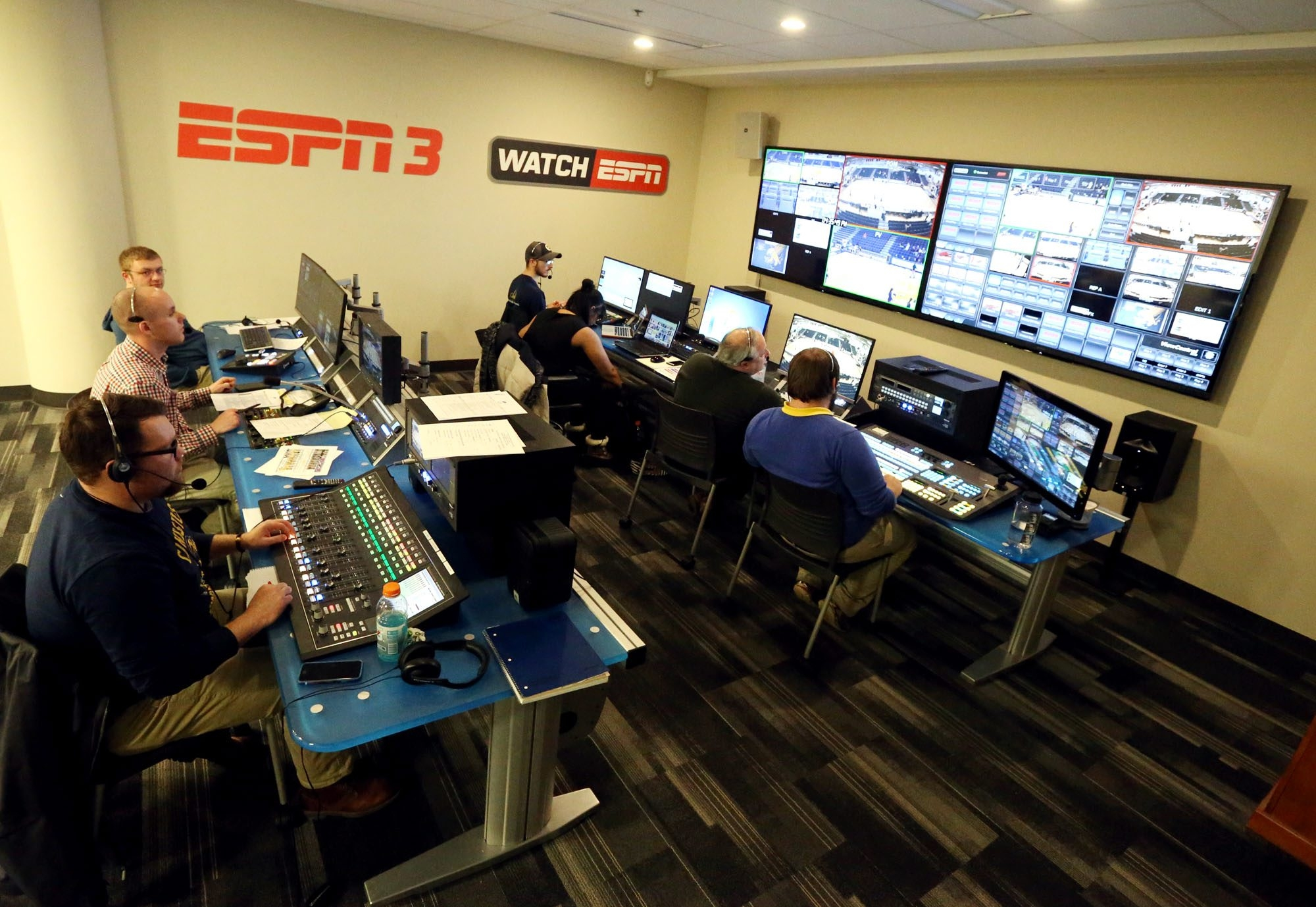 Canisius students can immerse themselves in the action through a broadcast agreement with ESPN. (James P. McCoy/ Buffalo News)
