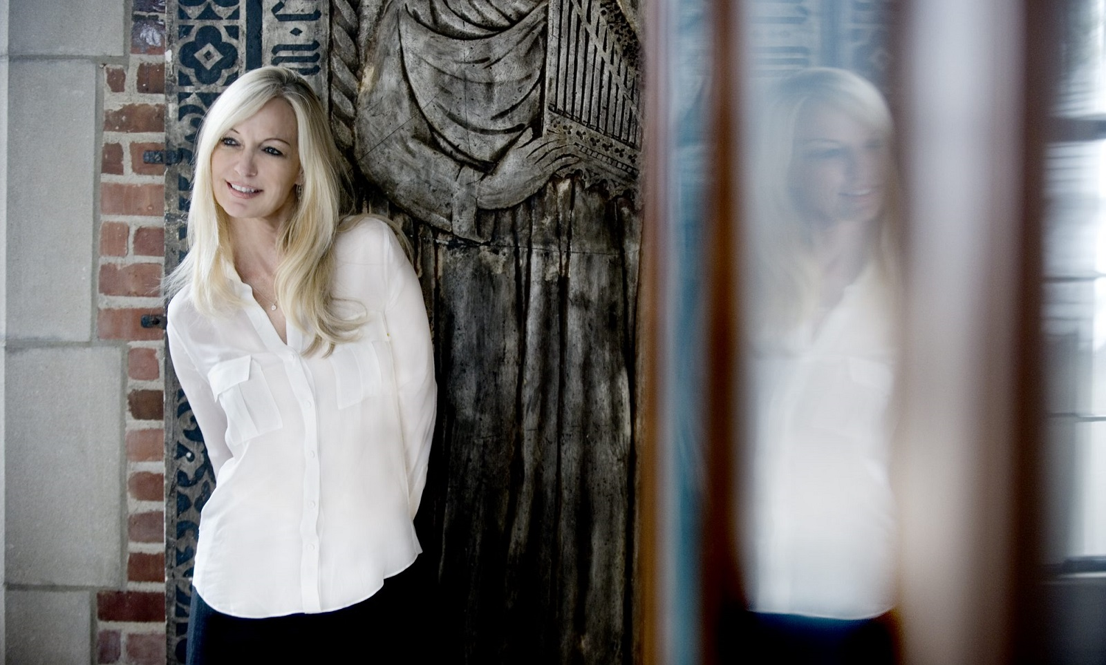 Lisa Hilton's jazz receives a strong review in Jeff Simon's latest Listening Post.