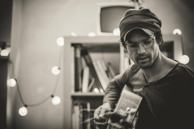 Clap Your Hands Say Yeah front man Alec Ounsworth will play an Allentown living room in April.
