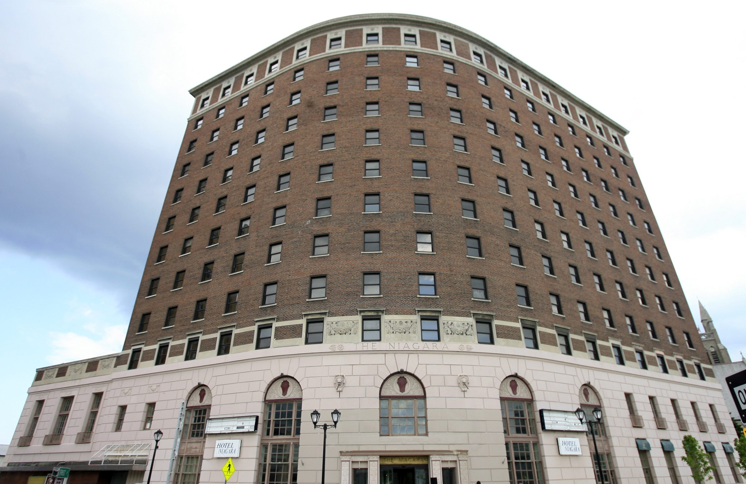 The empty Hotel Niagara in Niagara Falls is on the National Register of Historic Places and could find new life as part of a state effort.