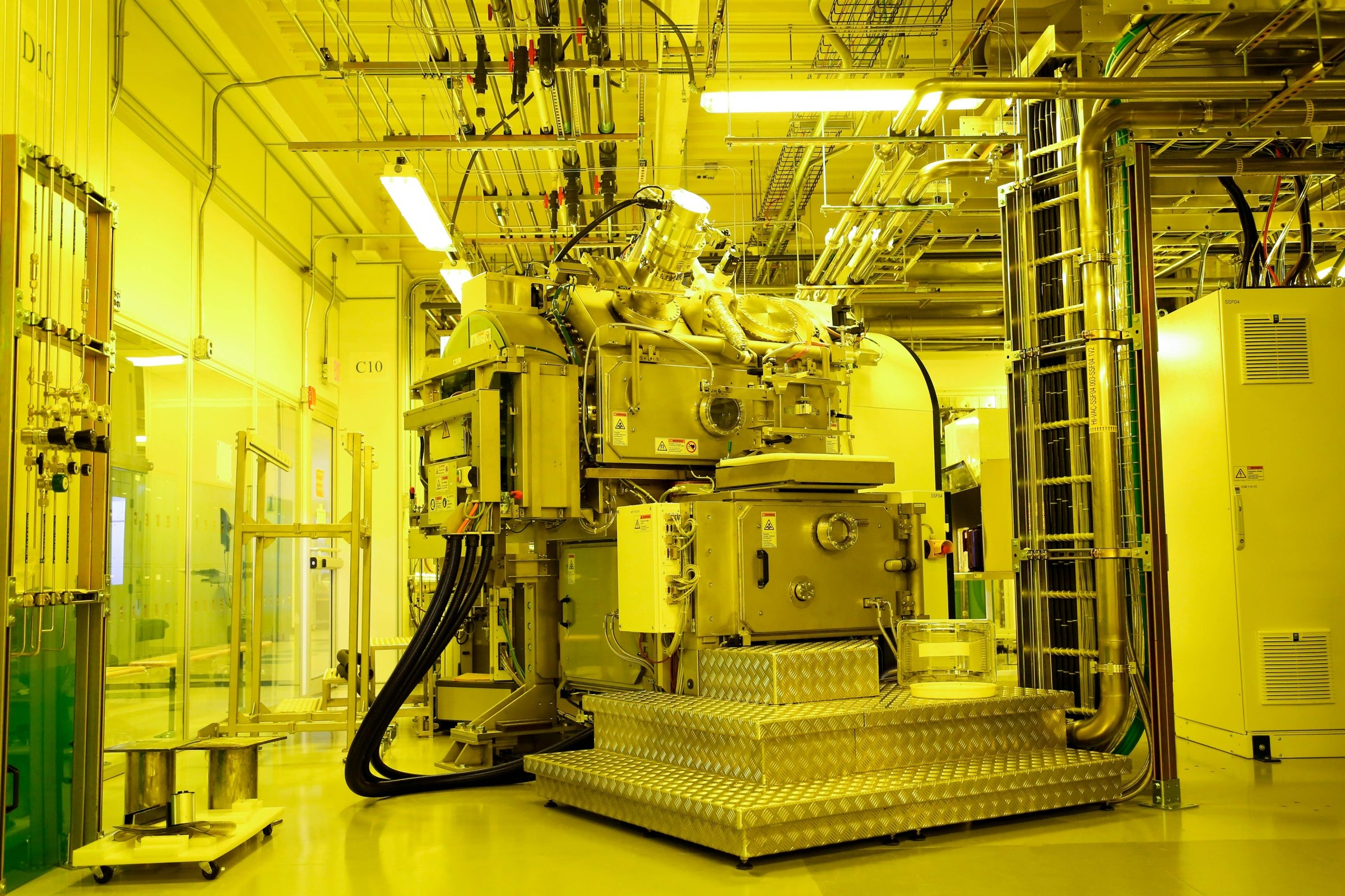 Singulus Timaris tool at SUNY Polytechnic Institute Colleges of Nanoscale Sciences and Engineering in Albany is similar to one that Photonica will use at Rochester hub, where Photonica and Avogy plan to employ hundreds.