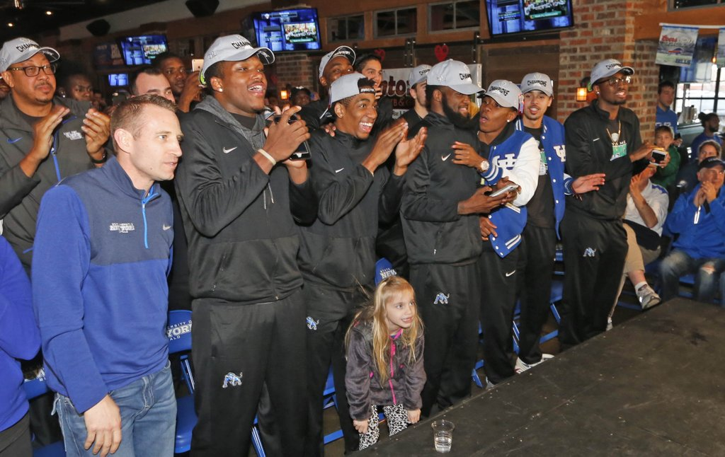 UB men's basketball team to play in Great Alaska Shootout