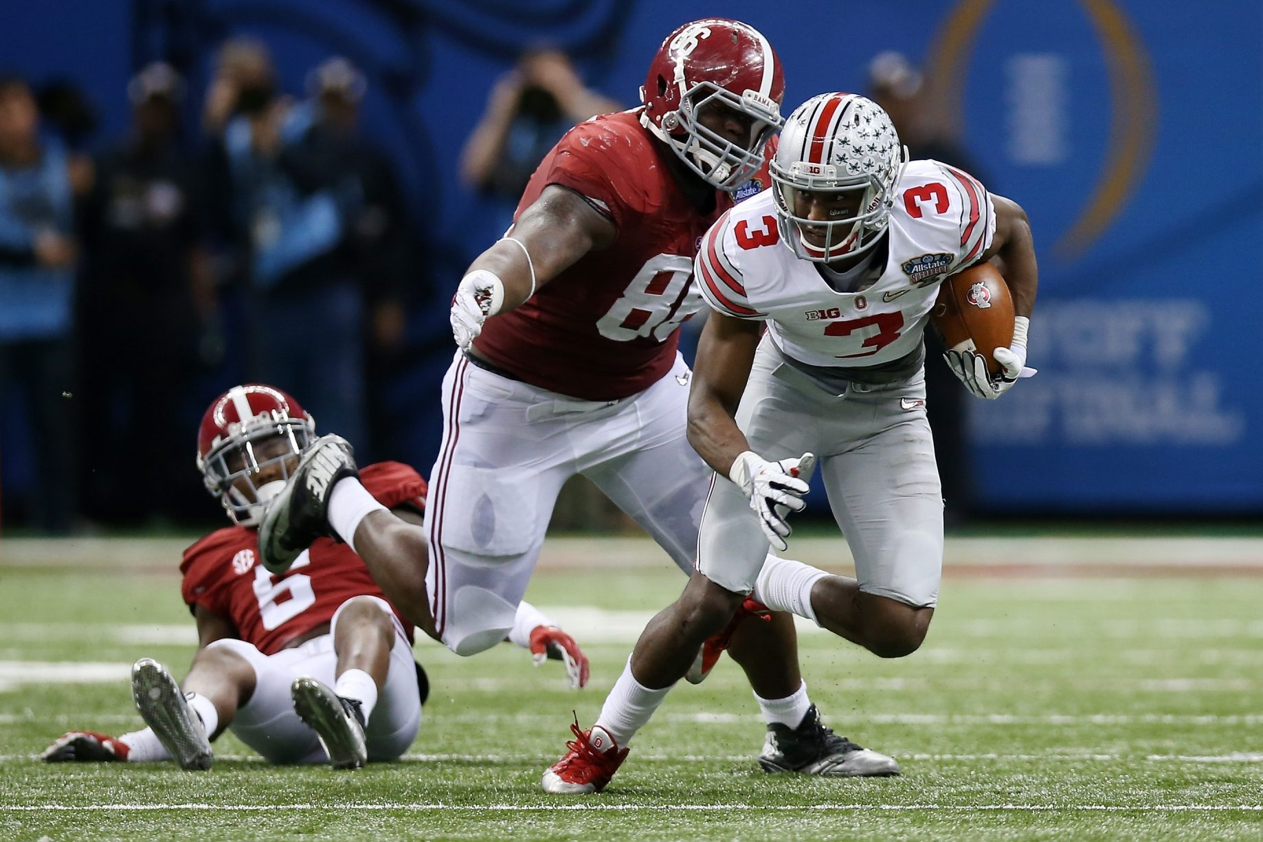 Alabama's A'Shawn Robinson (86) is strong enough and athletic enough to play any position on the defensive line.