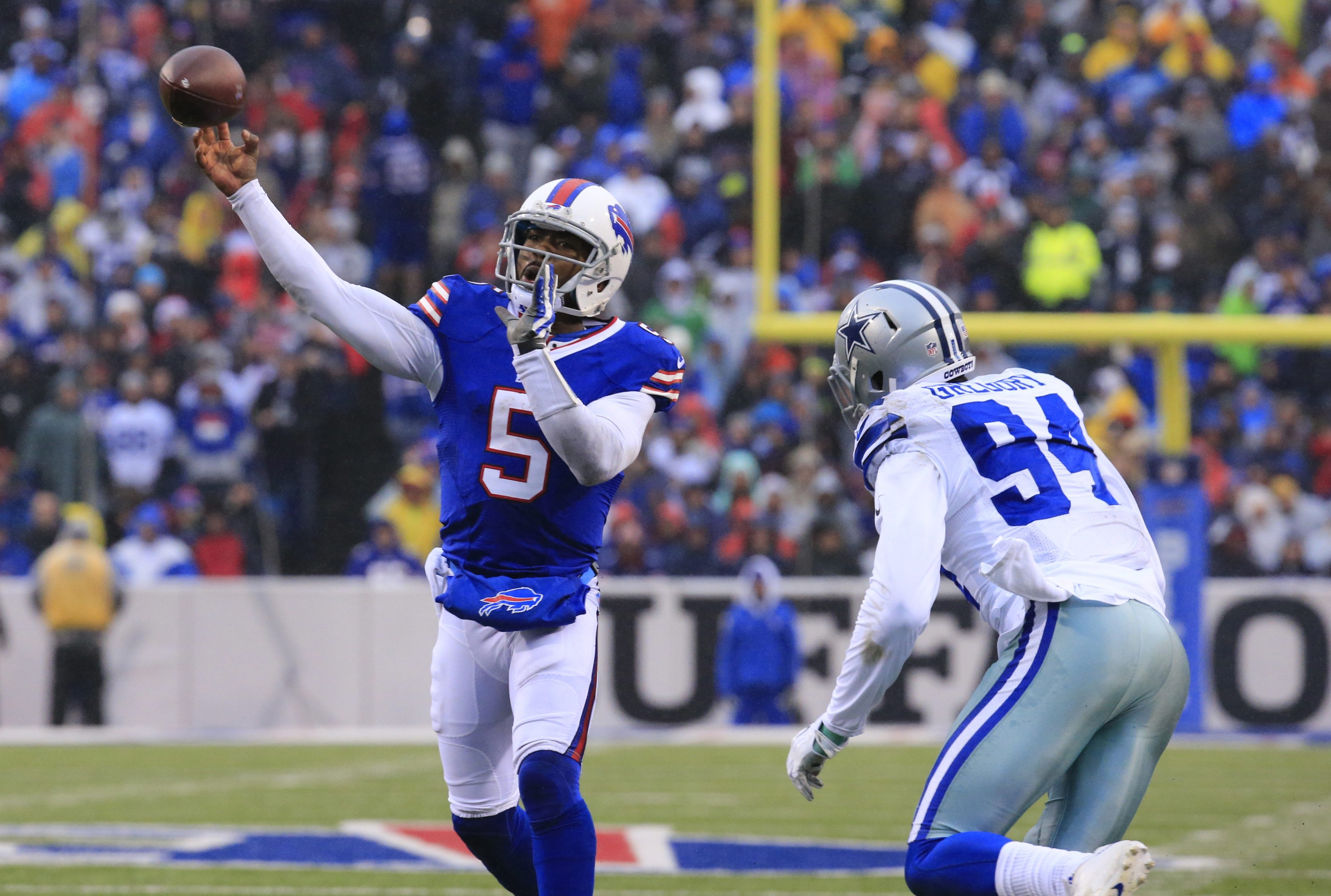 Tyrod Taylor needs to prove himself more to deserve a bigger contract.