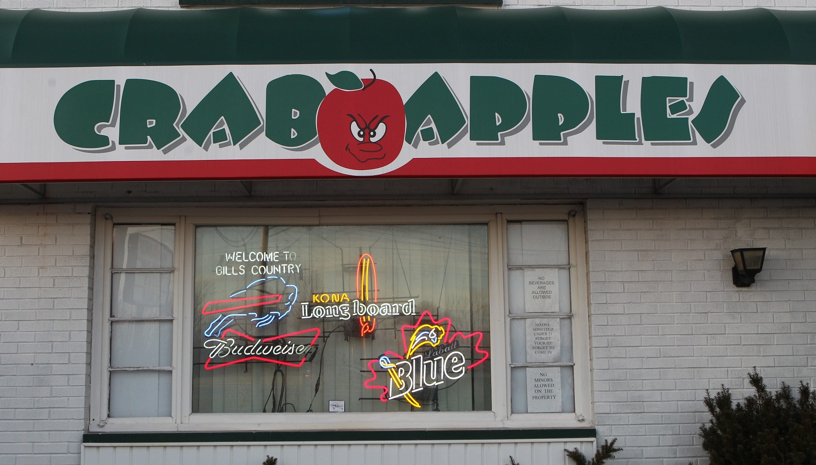 Crabapples in Cheektowaga boasts a selection of 50 craft beers. (Sharon Cantillon/Buffalo News file photo)