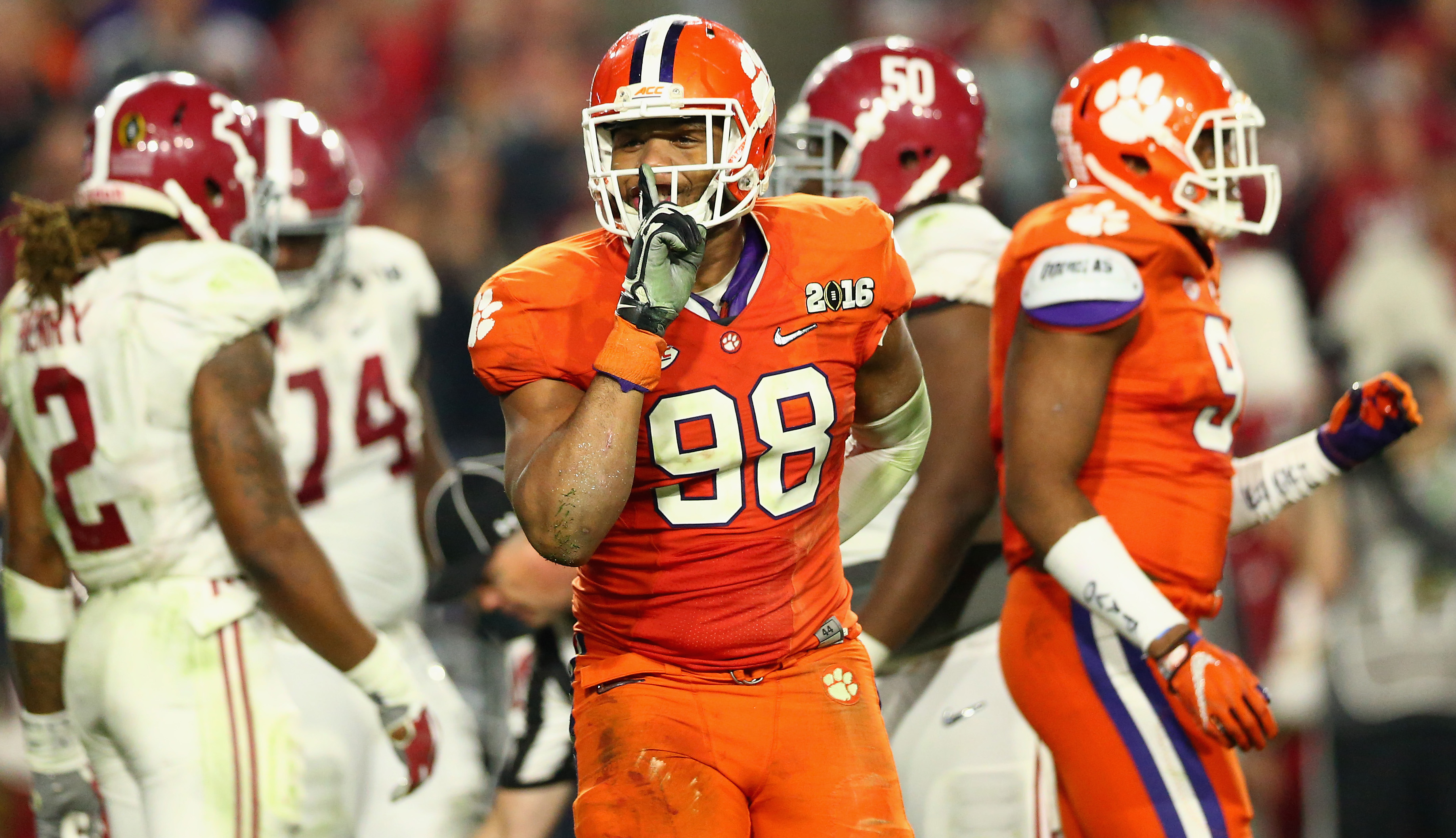 GLENDALE, AZ - JANUARY 11:  Kevin Dodd #98 of the Clemson Tigers reacts after a play in the second quarter against the Alabama Crimson Tide during the 2016 College Football Playoff National Championship Game at University of Phoenix Stadium on January 11, 2016 in Glendale, Arizona.  (Photo by Ronald Martinez/Getty Images)
