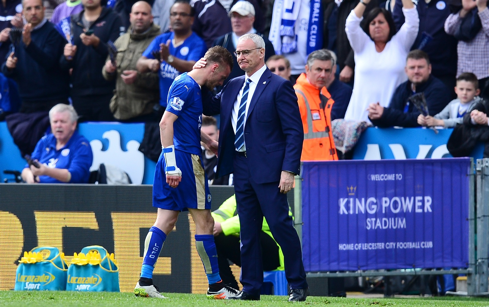 Leicester City FC head coach Claudio Ranieri, right, has led the Foxes to the cusp of an English Premier League title. (Getty Images)