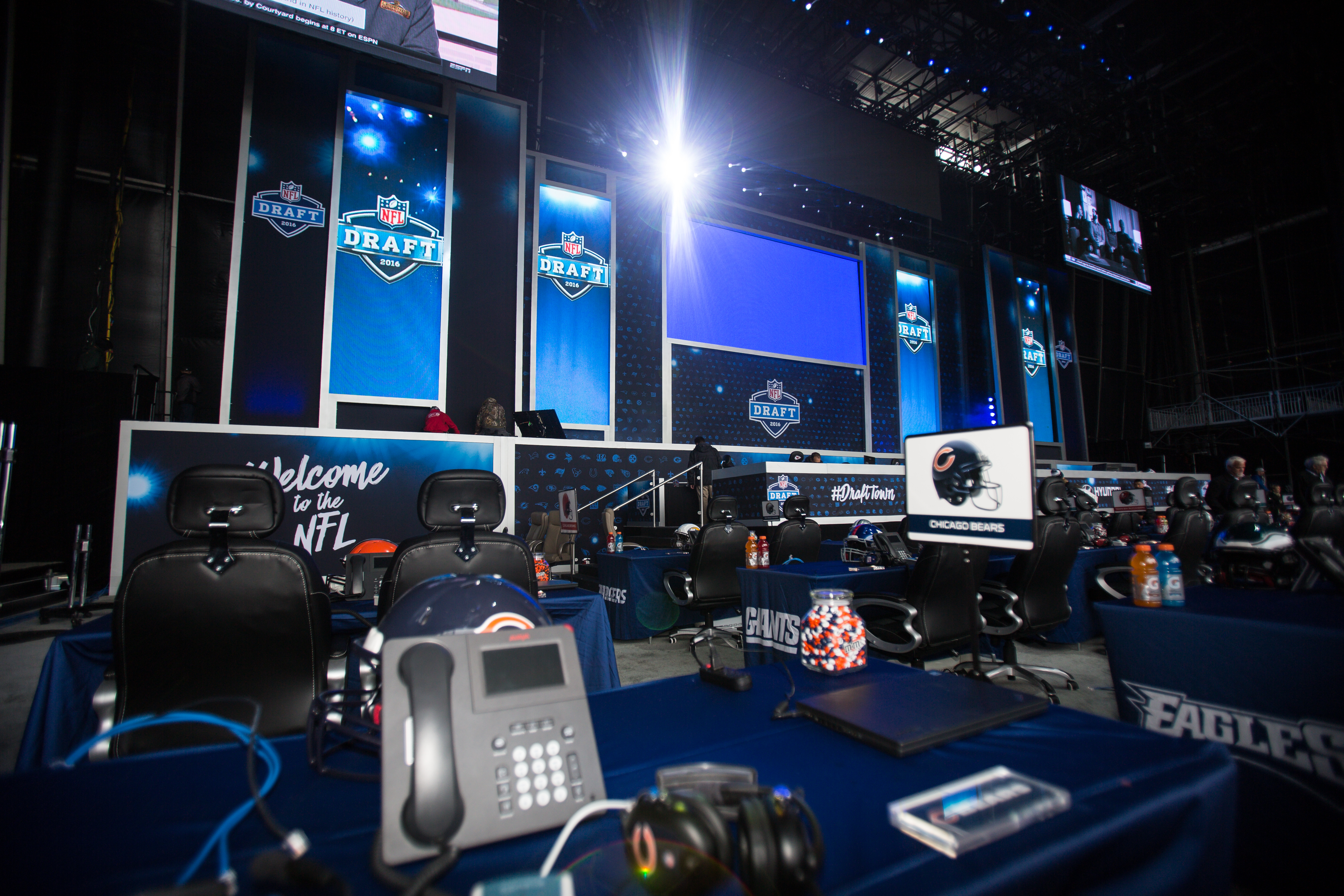 Live coverage: Rounds Four through Seven of the 2016 NFL Draft