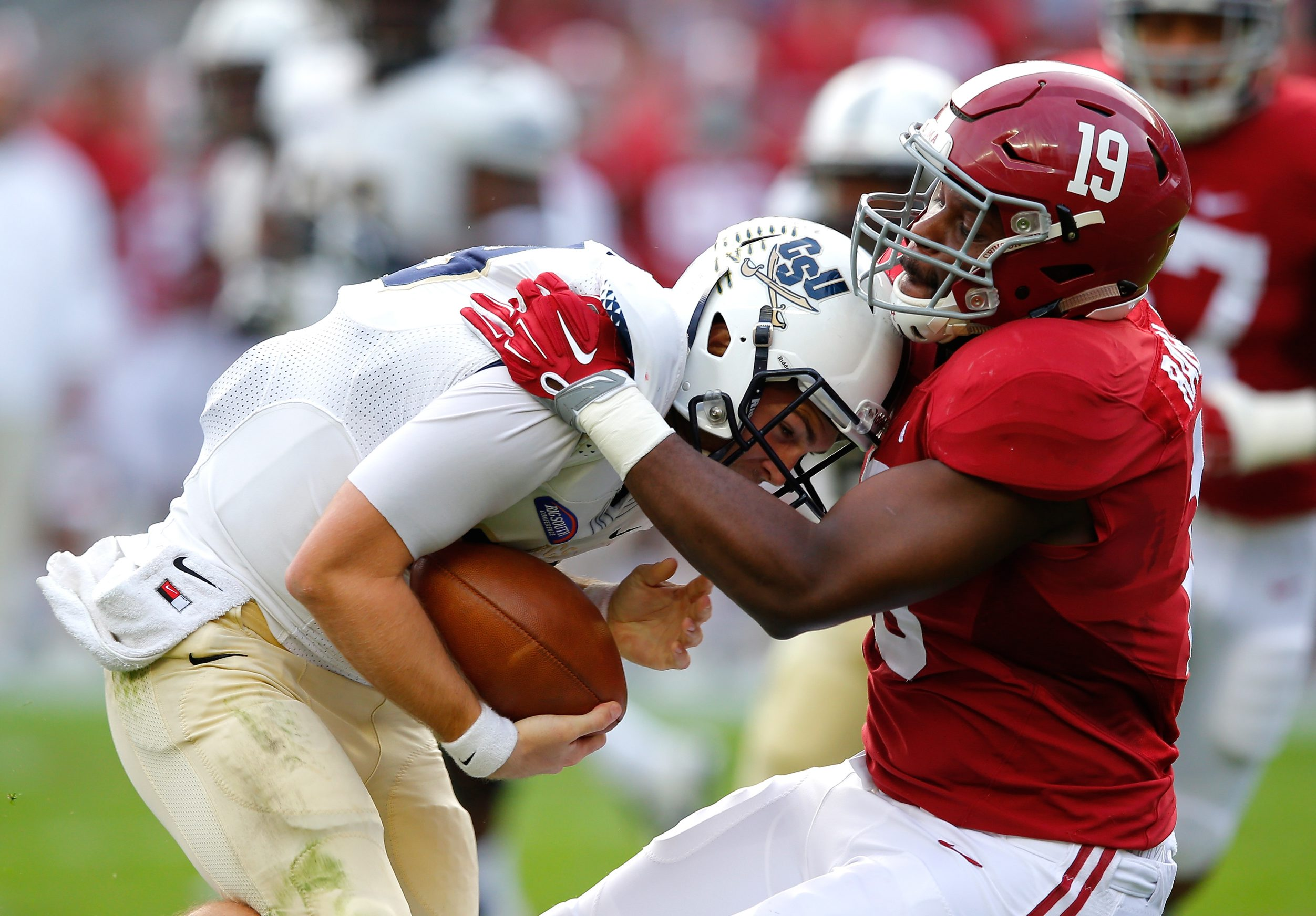 TUSCALOOSA, AL - NOVEMBER 21: Reggie Ragland #19 of the Alabama Crimson Tide sacks Kyle Copeland #19 of the Charleston Southern Buccaneers at Bryant-Denny Stadium on November 21, 2015 in Tuscaloosa, Alabama. (Photo by Kevin C. Cox/Getty Images)