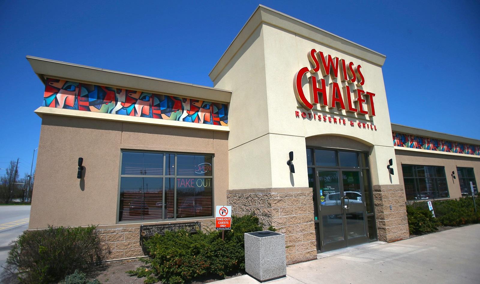 Right now, the nearest Swiss Chalet is across the border in Niagara Falls, Ont. (Robert Kirkham/News file photo)