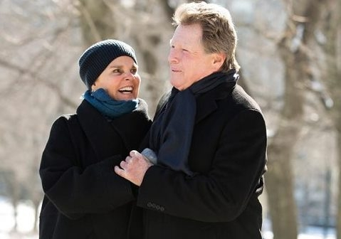 """Ali MacGraw and Ryan O'Neal are charming, heartbreaking in """"Love Letters"""" at 710 Main Theatre."""