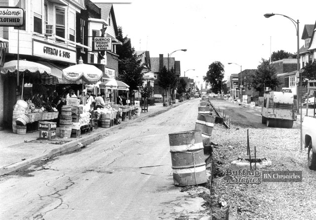 Guercio & Sons' Grocery during a construction project on Grant Street, 1985. (News file photo)