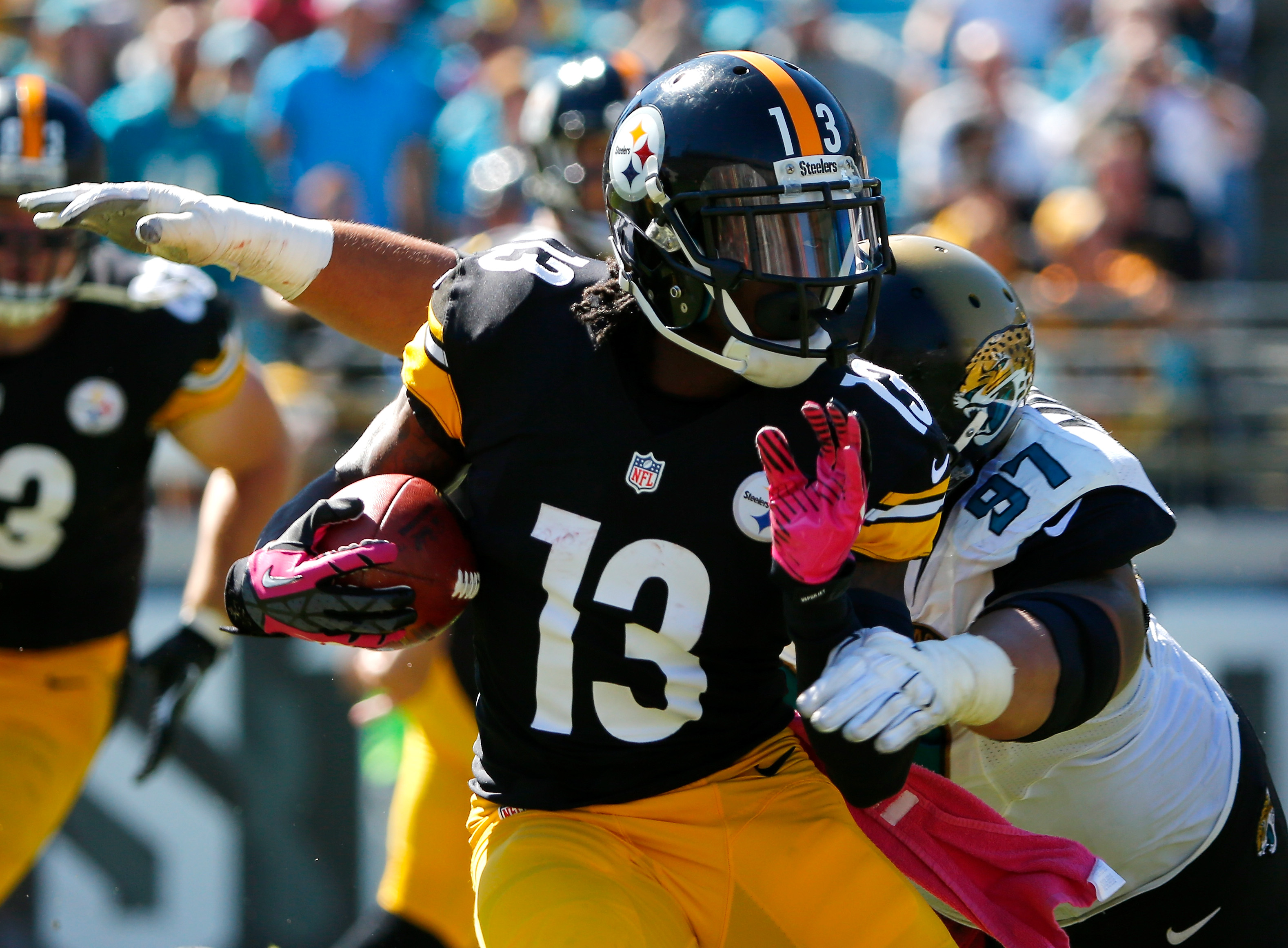 Dri Archer, playing for the Pittsburgh Steelers in 2014, makes a move against Jacksonville (Getty Images)