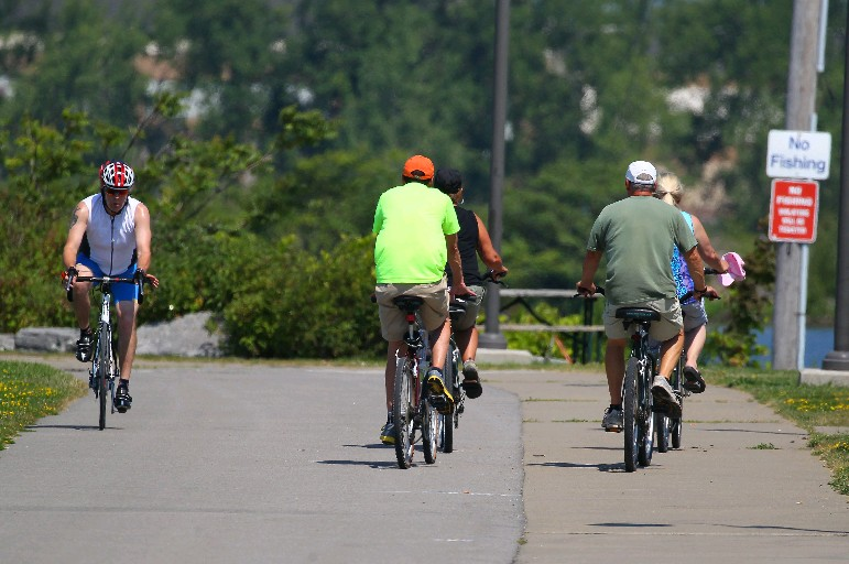 It'll be a weekend to get outside with temperatures reaching into the 70s. (News file photo)