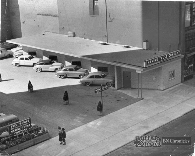 Marine Trust's Main & Seneca office, 1951 (Buffalo News archives)