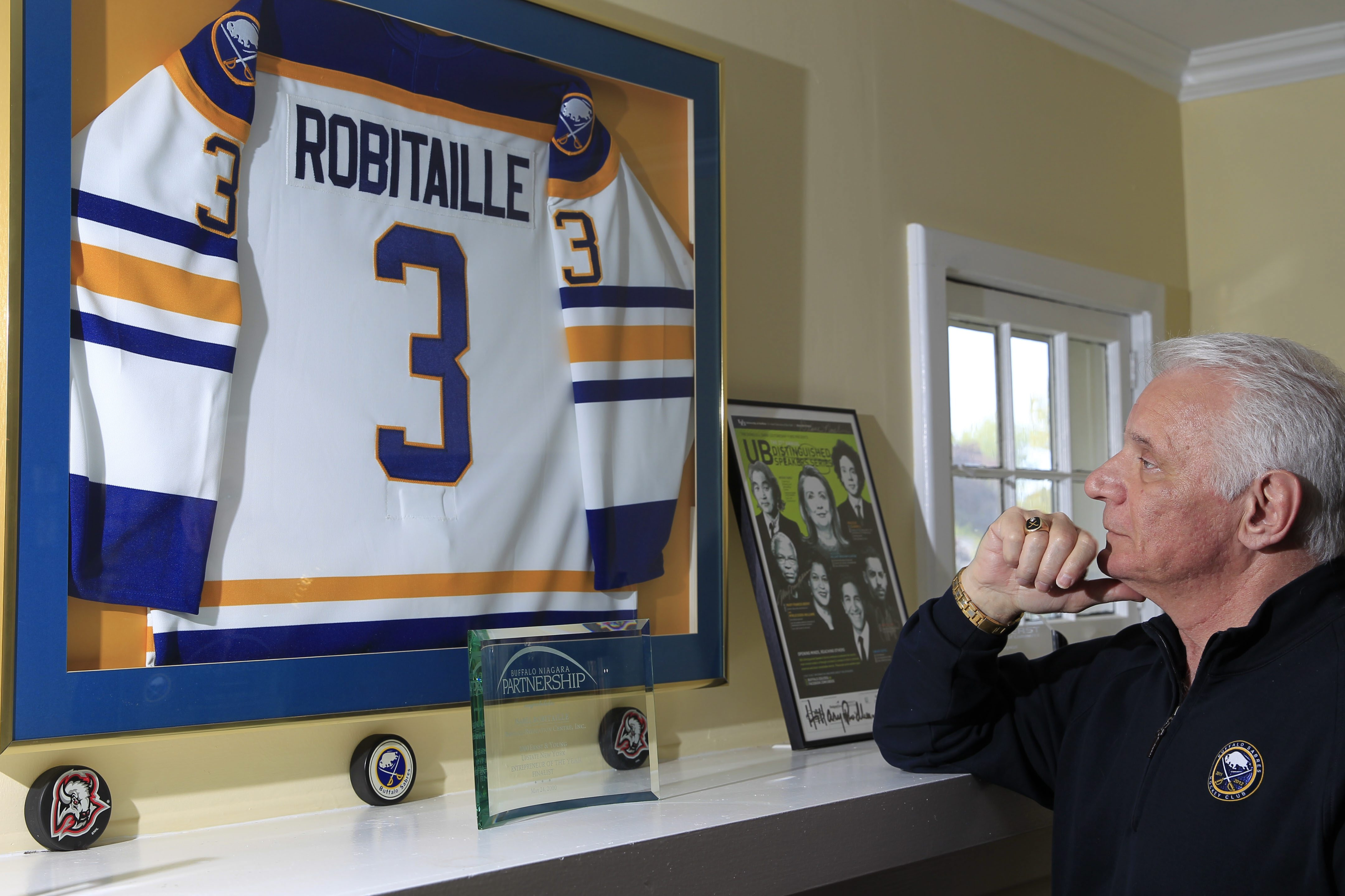 Mike Robitaille's friend Jim Krulicki has joined the former Sabres announcer in the concussion lawsuit filed against the NHL. (Harry Scull Jr./Buffalo News file photo)