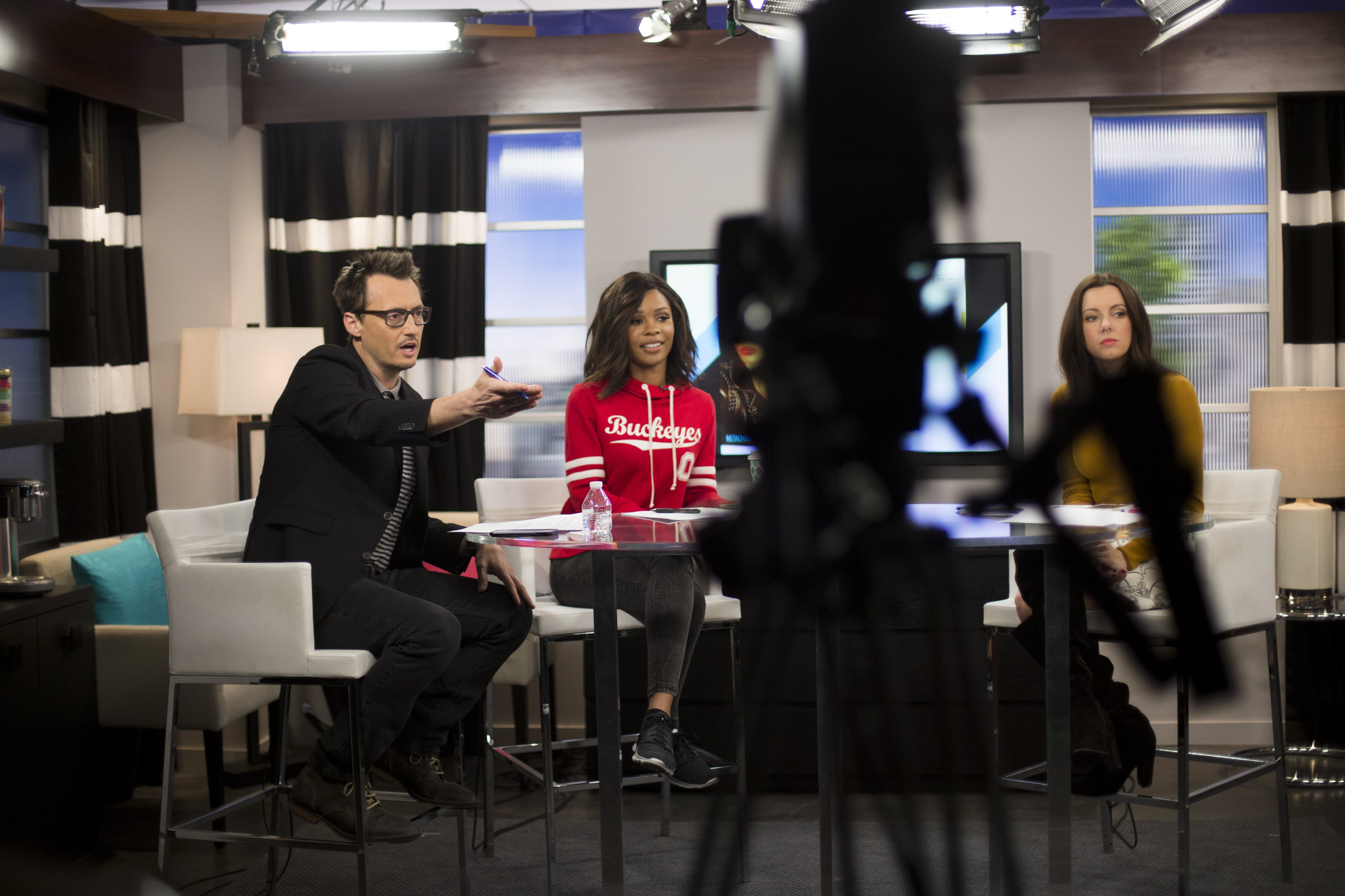 Ken Baker co-hosts Live from E! with Zuri Hall, center, and Melanie Bromley in Los Angeles, Ca., on Tuesday, Feb. 2, 2016. (© Jenna Schoenefeld. No usage without permission.)