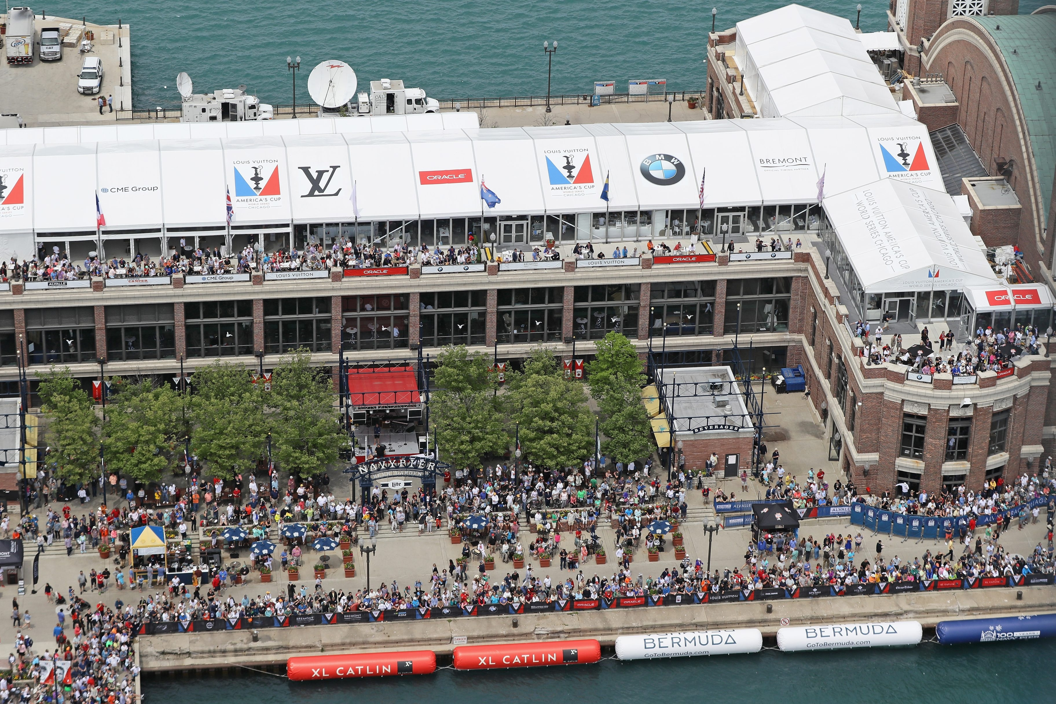 Chicago's Navy Pier features parks, gardens, shops, restaurants, family attractions and exhibition facilities.