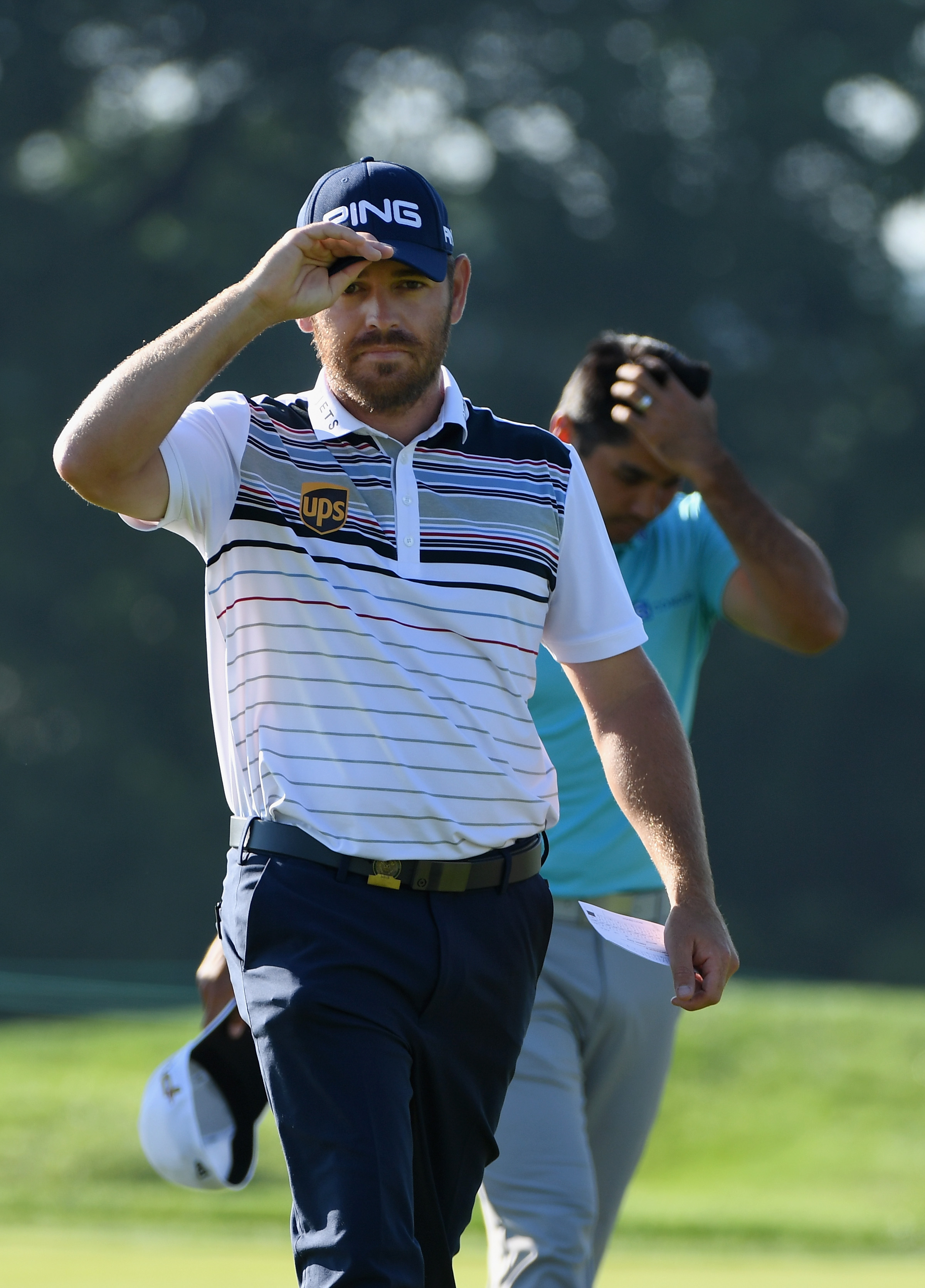 Louis Oosthuizen finished off a round of 5-under 65 early Saturday in the second round of the U.S. Open.