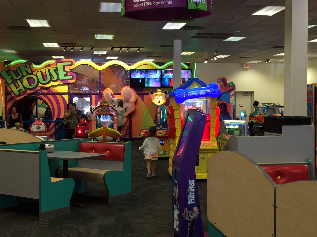 Chuck E Cheese: Mom Review: Chuck E. Cheese