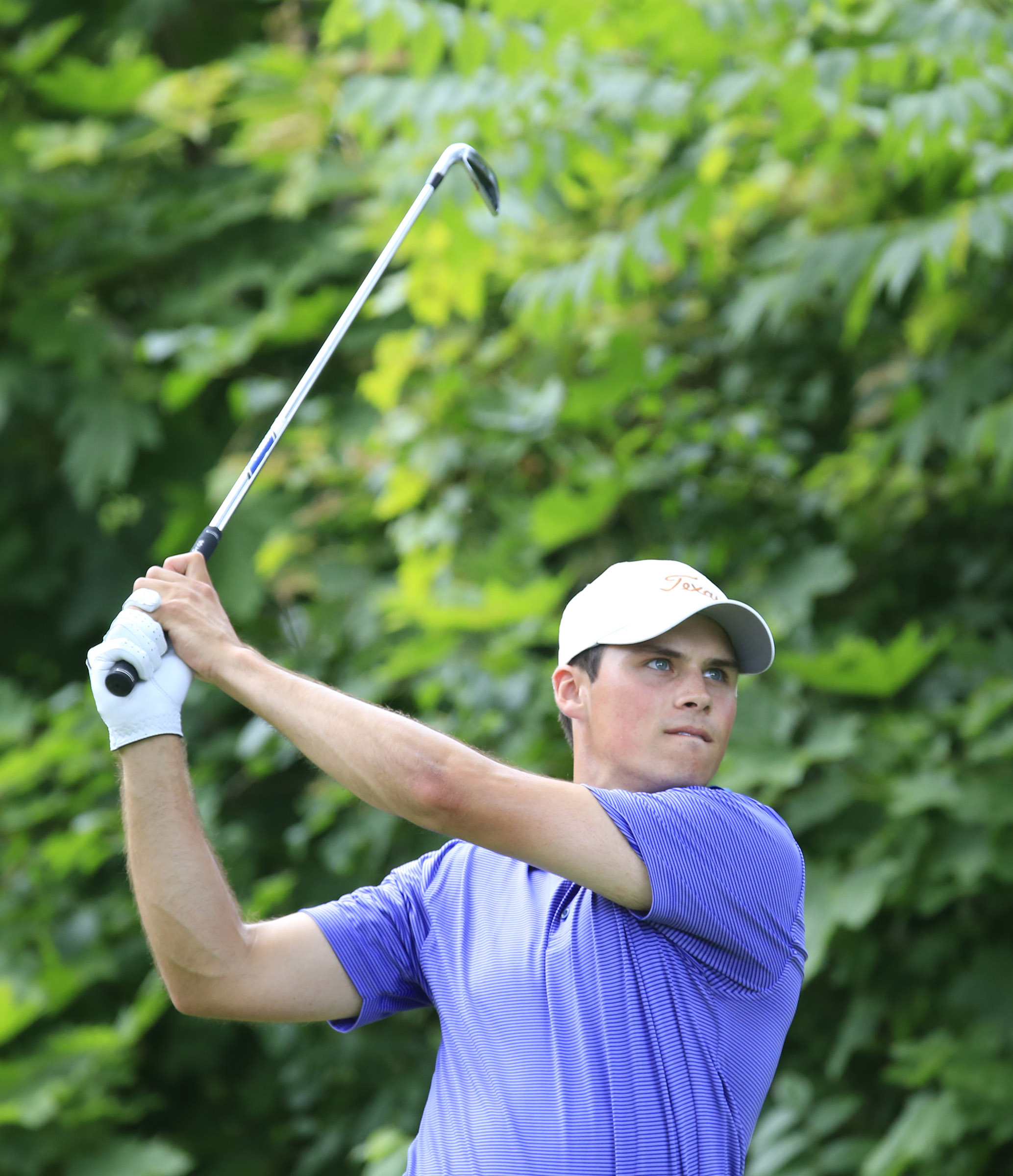 Gavin Hal lleads by two shots heading into Friday's third round of the POrter Cup (Harry Scull Jr./Buffalo News).