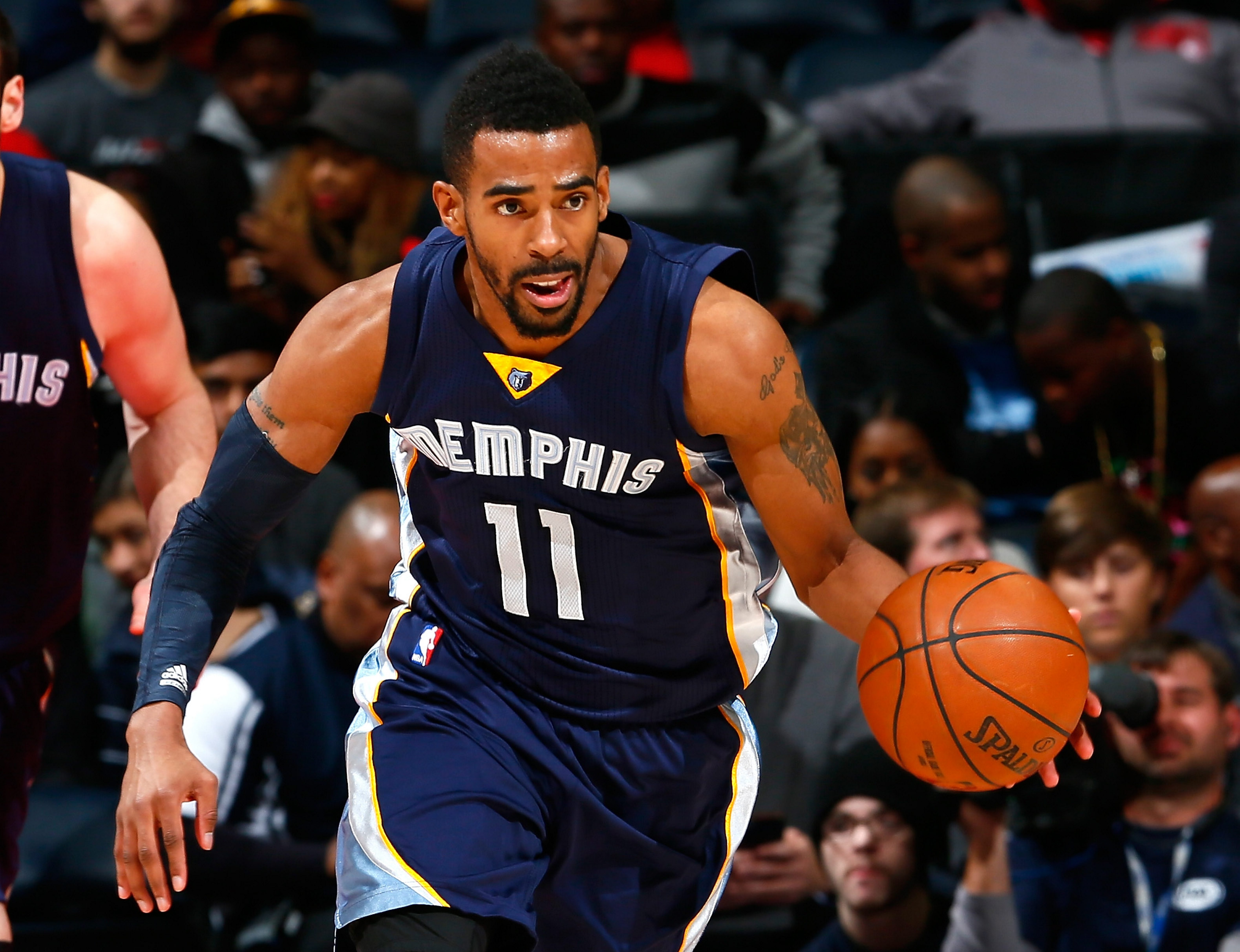 Mike Conley re-signed with the Memphis Grizzlies for a contract worth $153 million for five years.