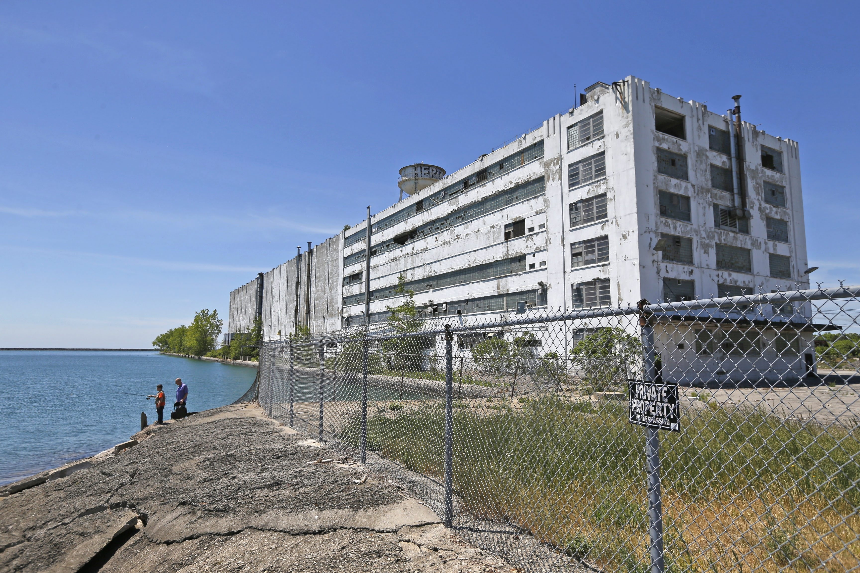 The decrepit Freezer Queen building is an unwelcome presence on a prime piece of Outer Harbor property.