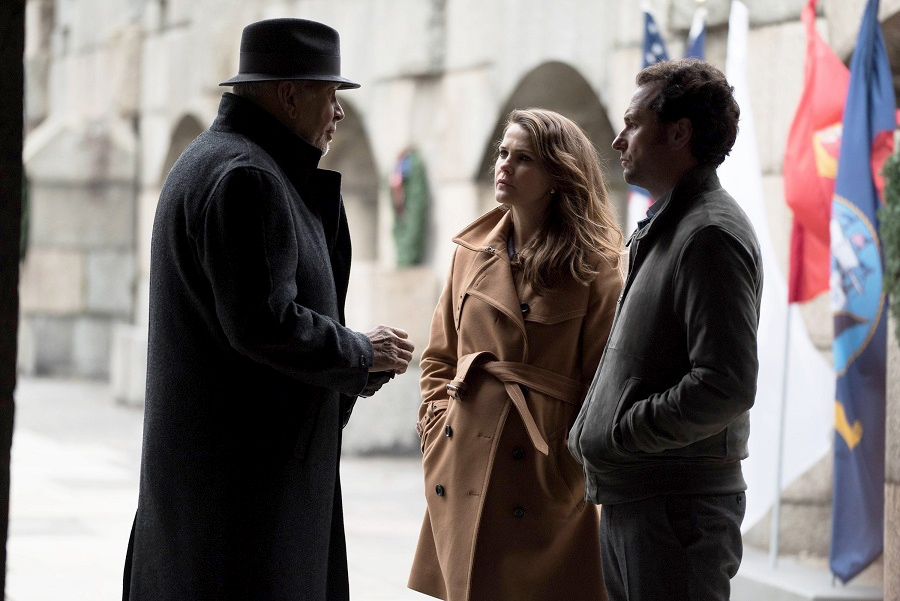 "Frank Langella, left, is the supervisor for Soviet spies Elizabeth Jennings (Keri Russell) and Philip Jennings in the FX thriller ""The Americans."""