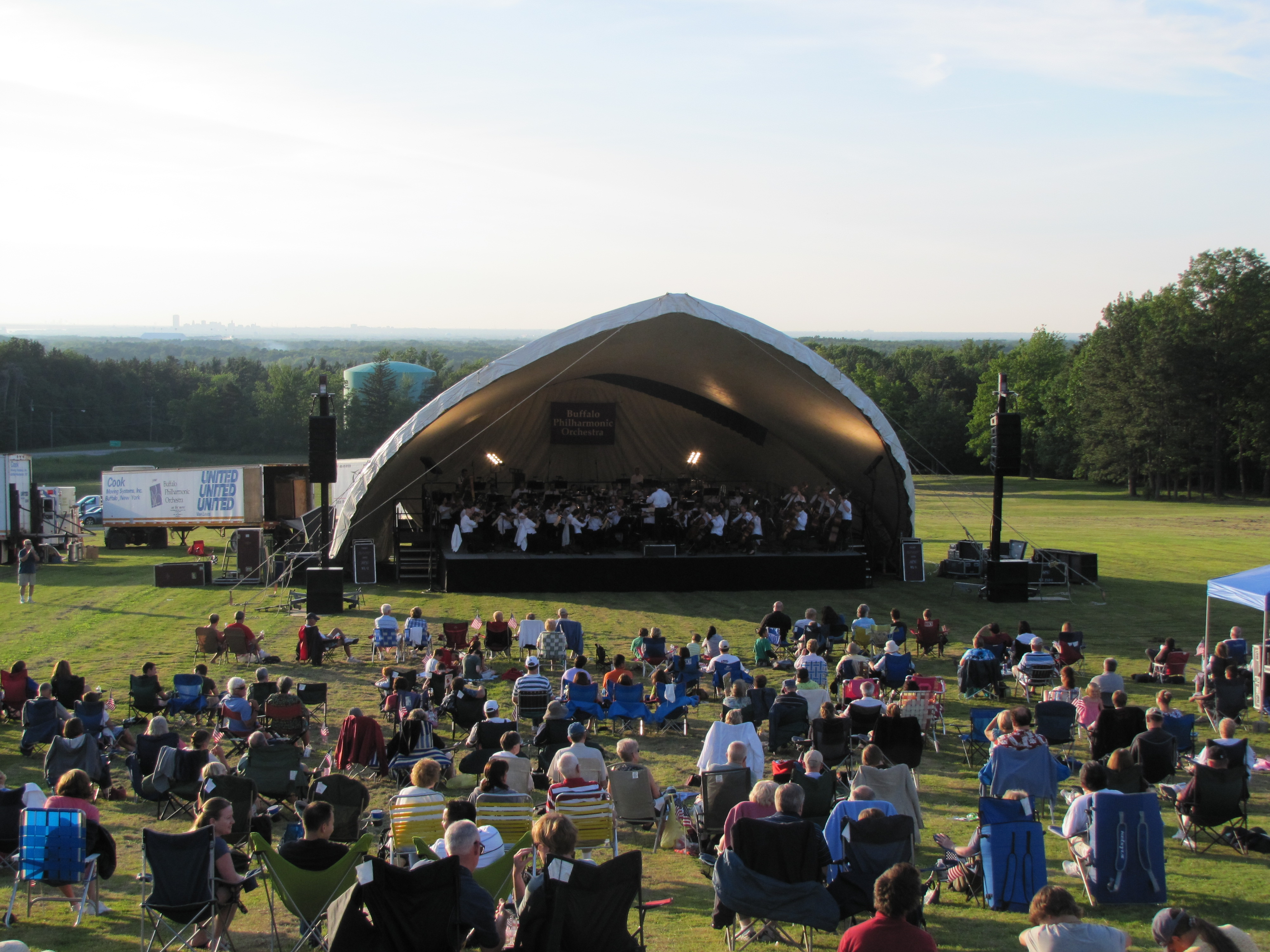 Buffalo Philharmonic Orchestra at the sledding hill at Chestnut Ridge Park in Orchard Park. (Photo courtesy of Bill Even/Chestnut Ridge Conservancy)