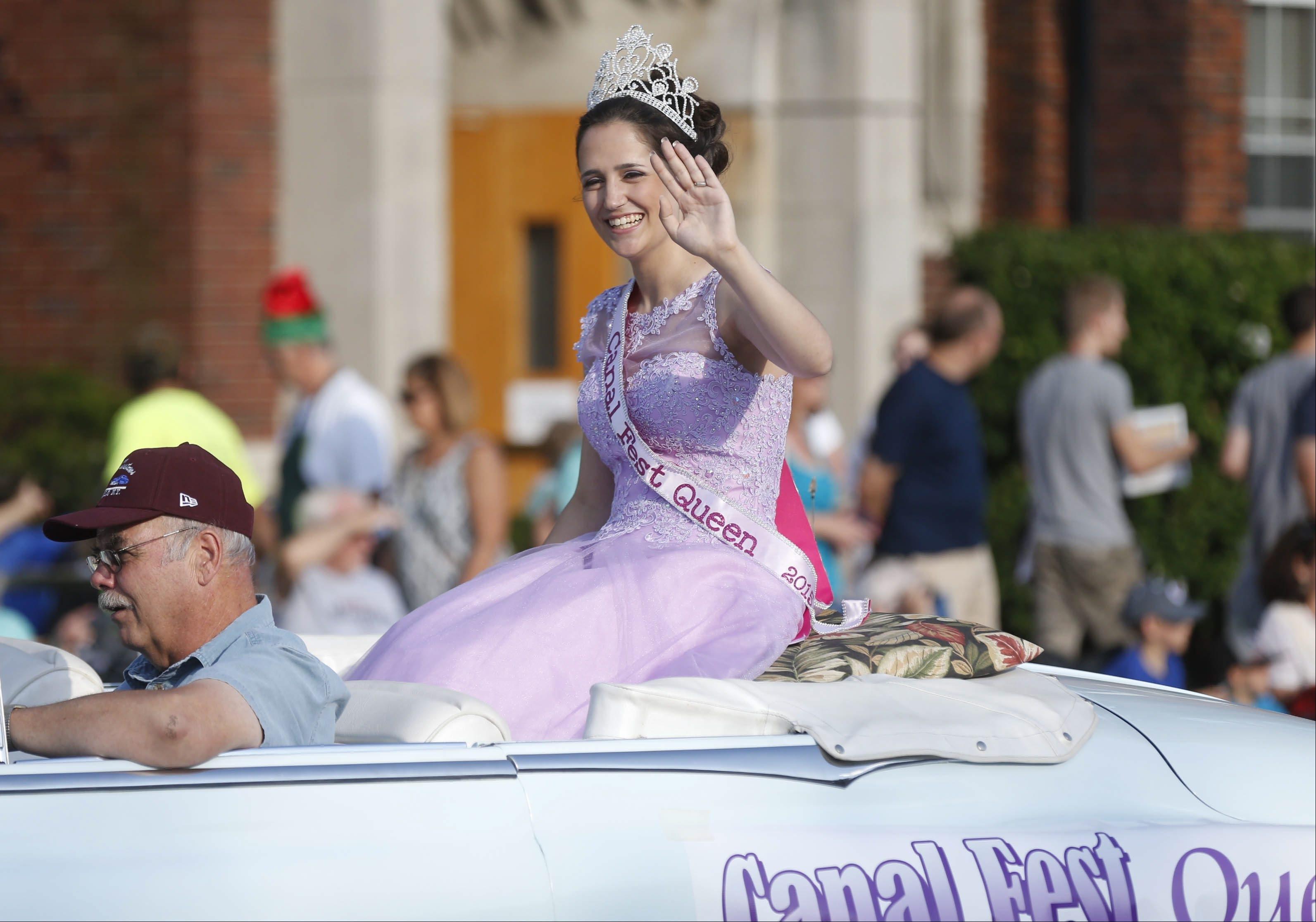 Canal Fest Parade on Tuesday, July 21, 2015.  (Robert Kirkham/Buffalo News)
