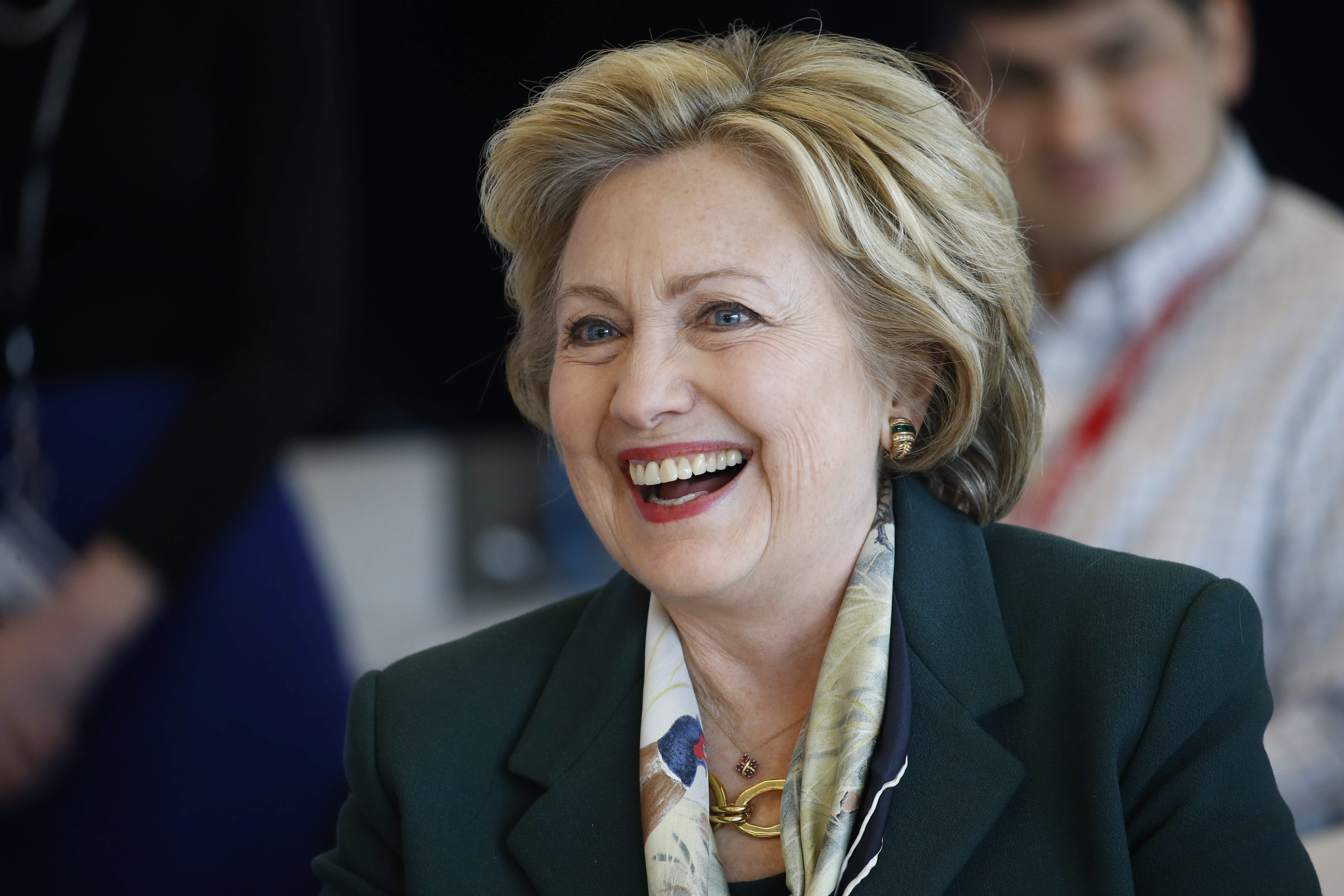 Clinton officially clinches Democratic nomination, making history