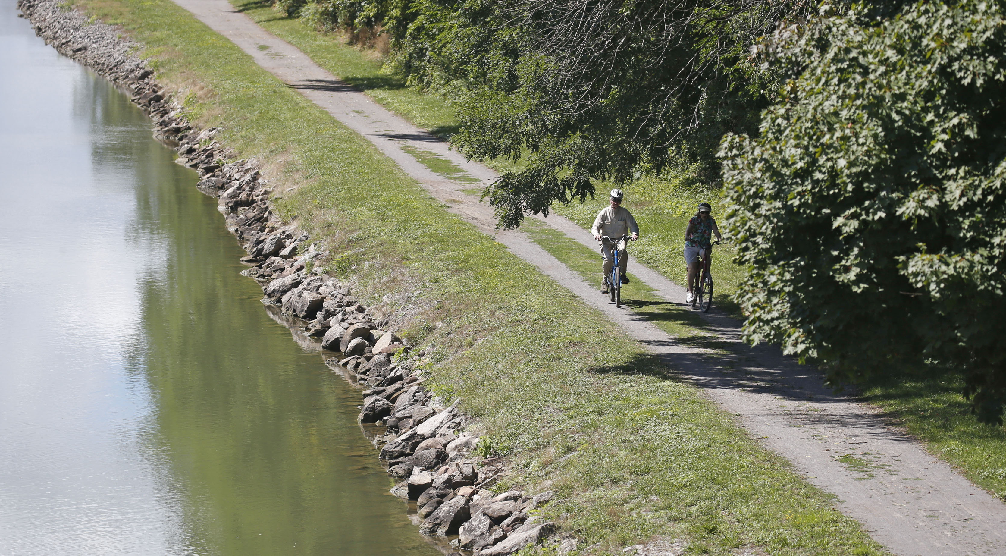 The bike path along the Erie Canal in Lockport. (Robert Kirkham/Buffalo News)