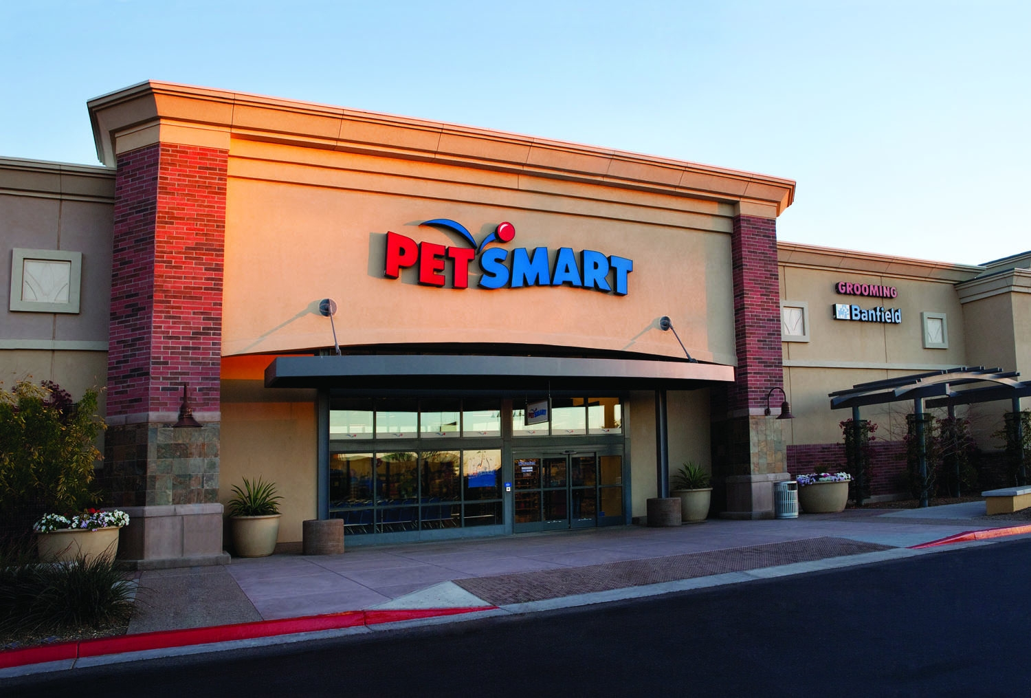 PetSmart is coming to East Aurora