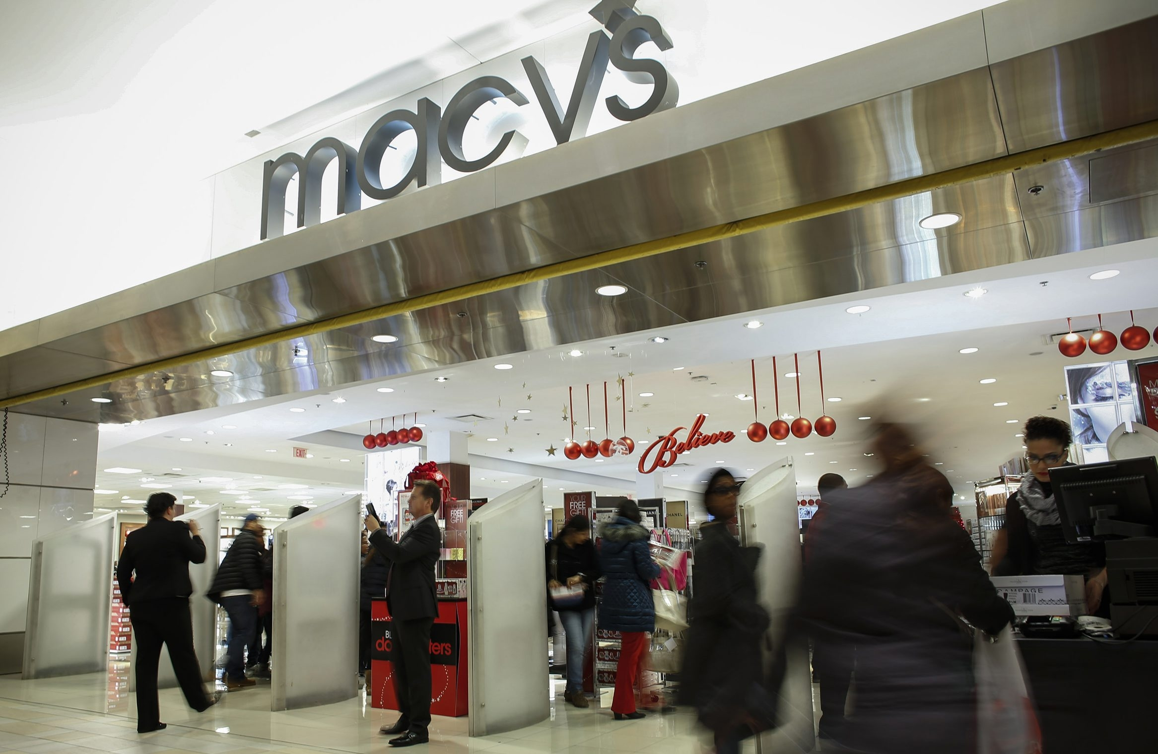 Macy's is shuttering 15 percent of its stores. (Photo by Kena Betancur/Getty Images)