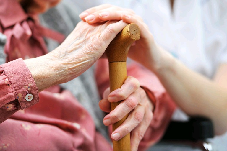 Niagara Falls nursing home workers to receive bonuses for high ranking