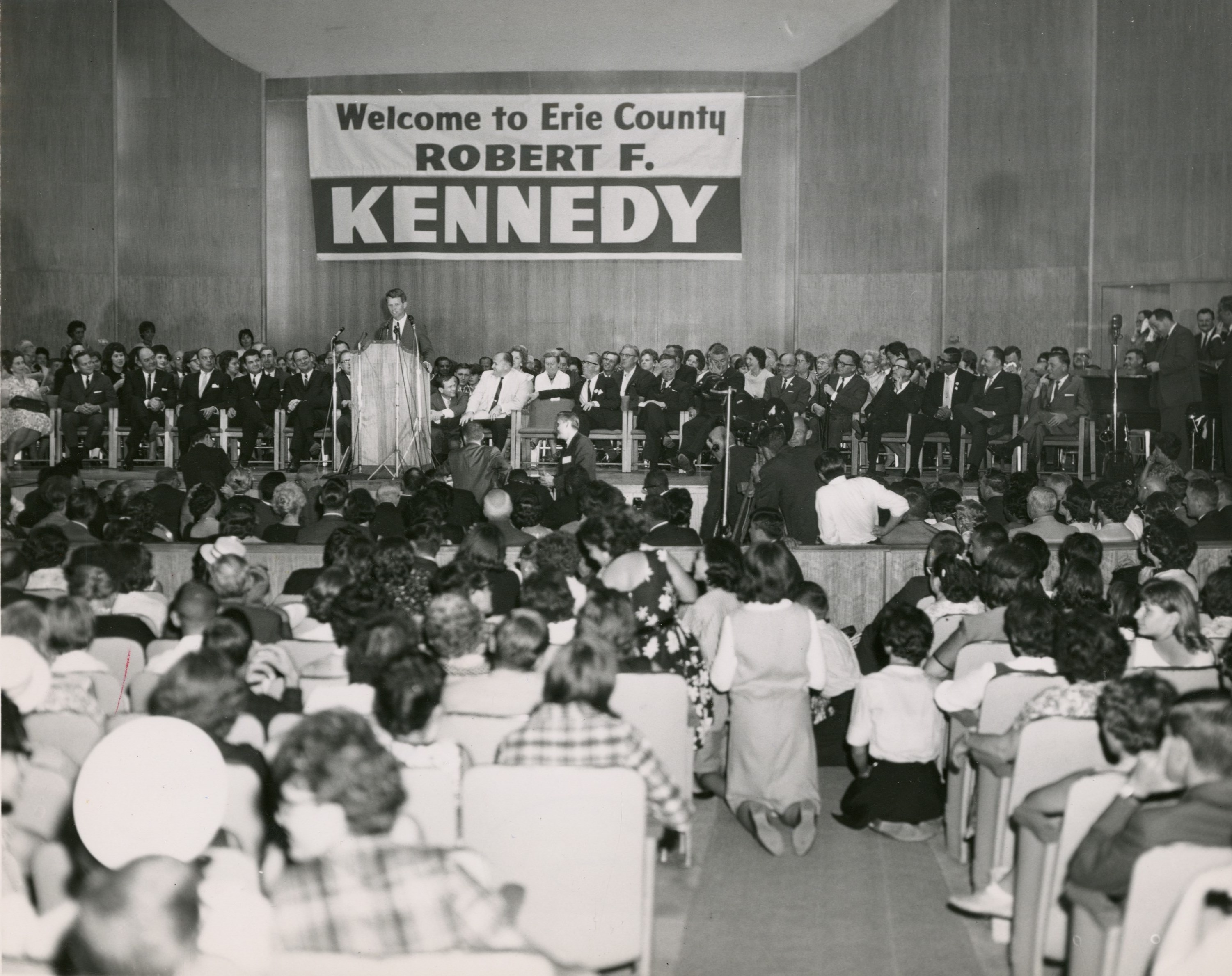 Bobby Kennedy gets a rock star welcome at Kleinhans Music Hall in Buffalo on Sept. 8, 1964. (News file photo)