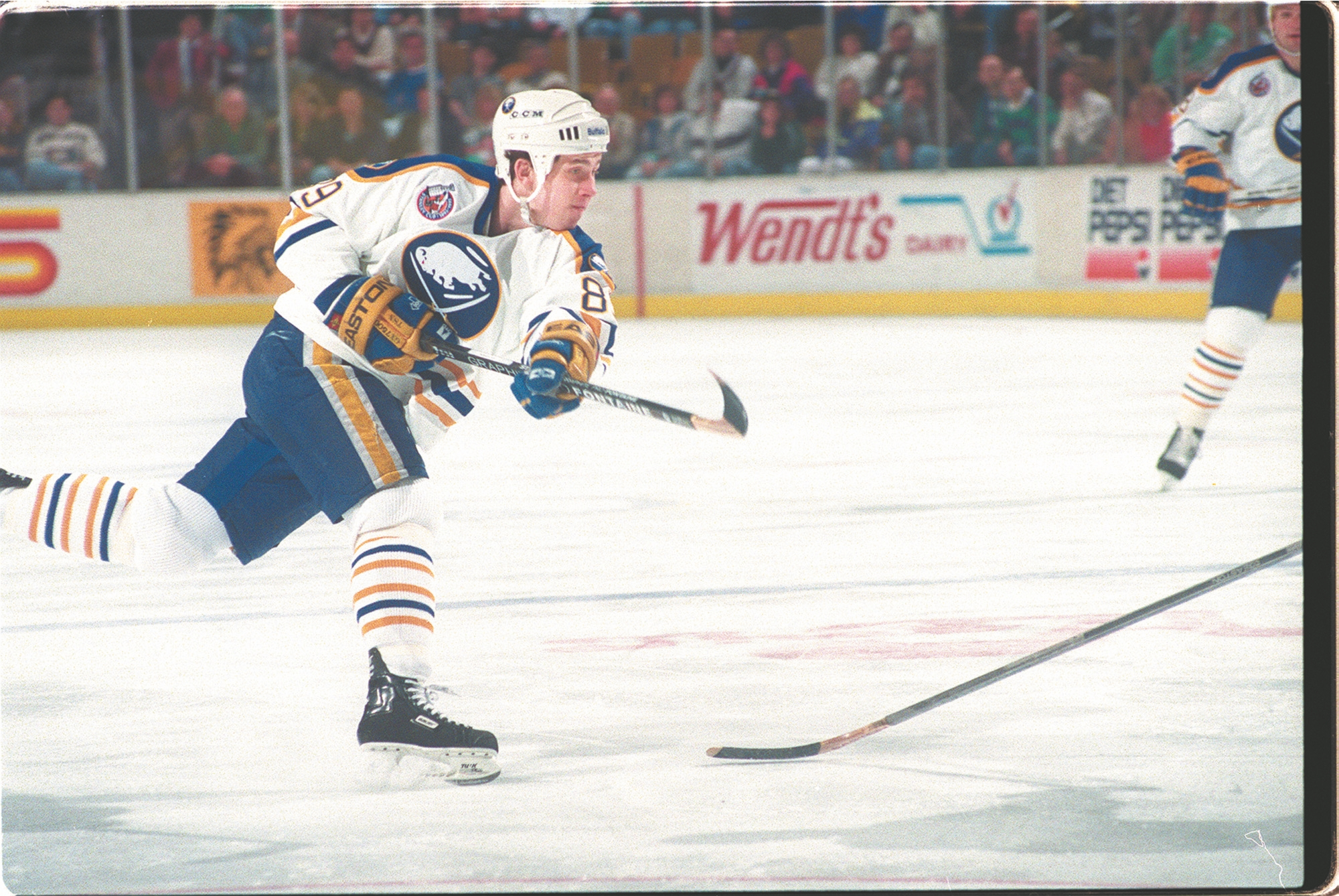Alexander Mogilny recorded 211 goals in his 381 games with the Sabres, including 76 in the 1992-93 season.