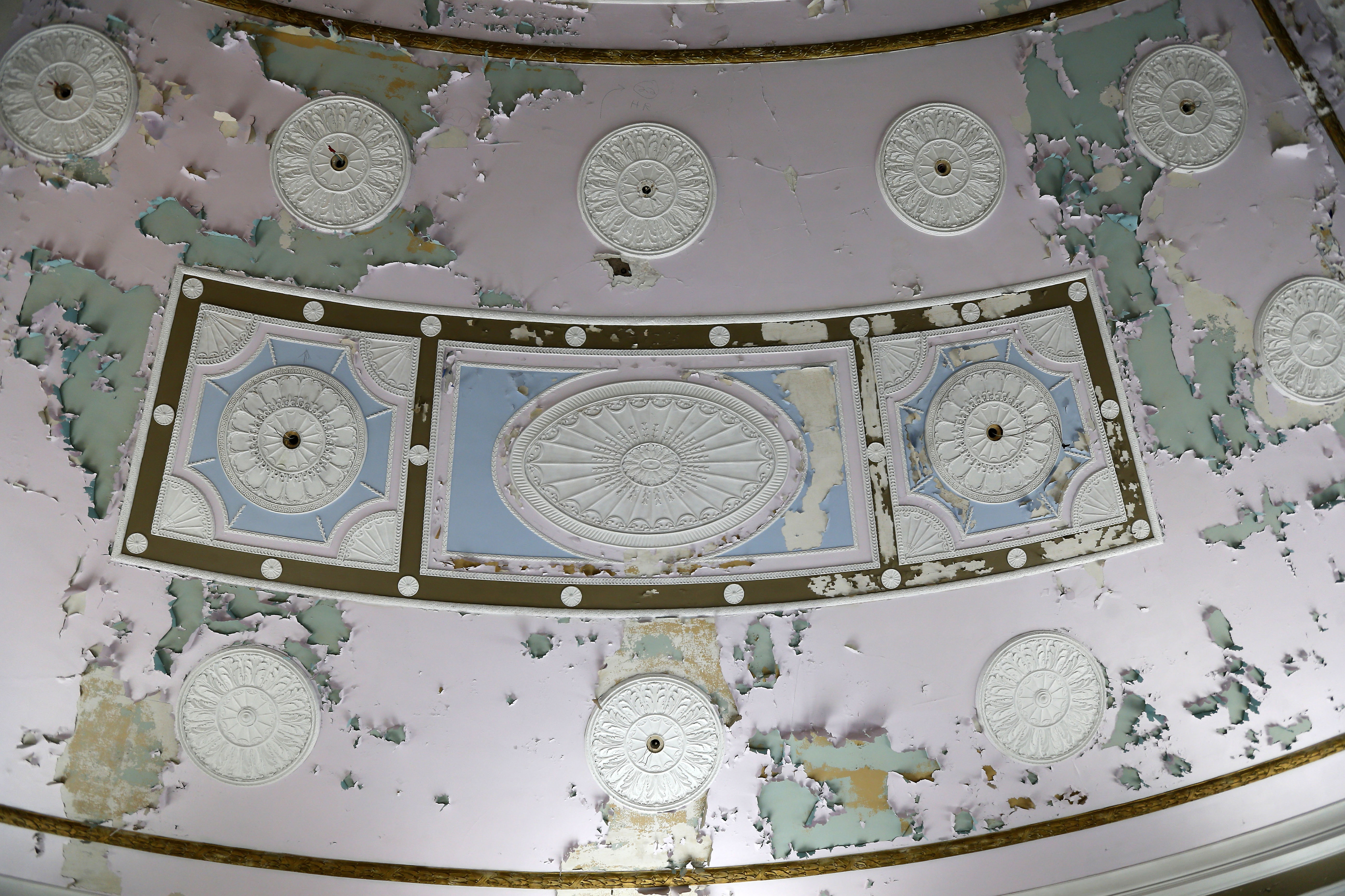 The lobby ceiling at the Hotel Niagara in Niagara Falls Wednesday, August 31, 2016.       (Mark Mulville/Buffalo News)