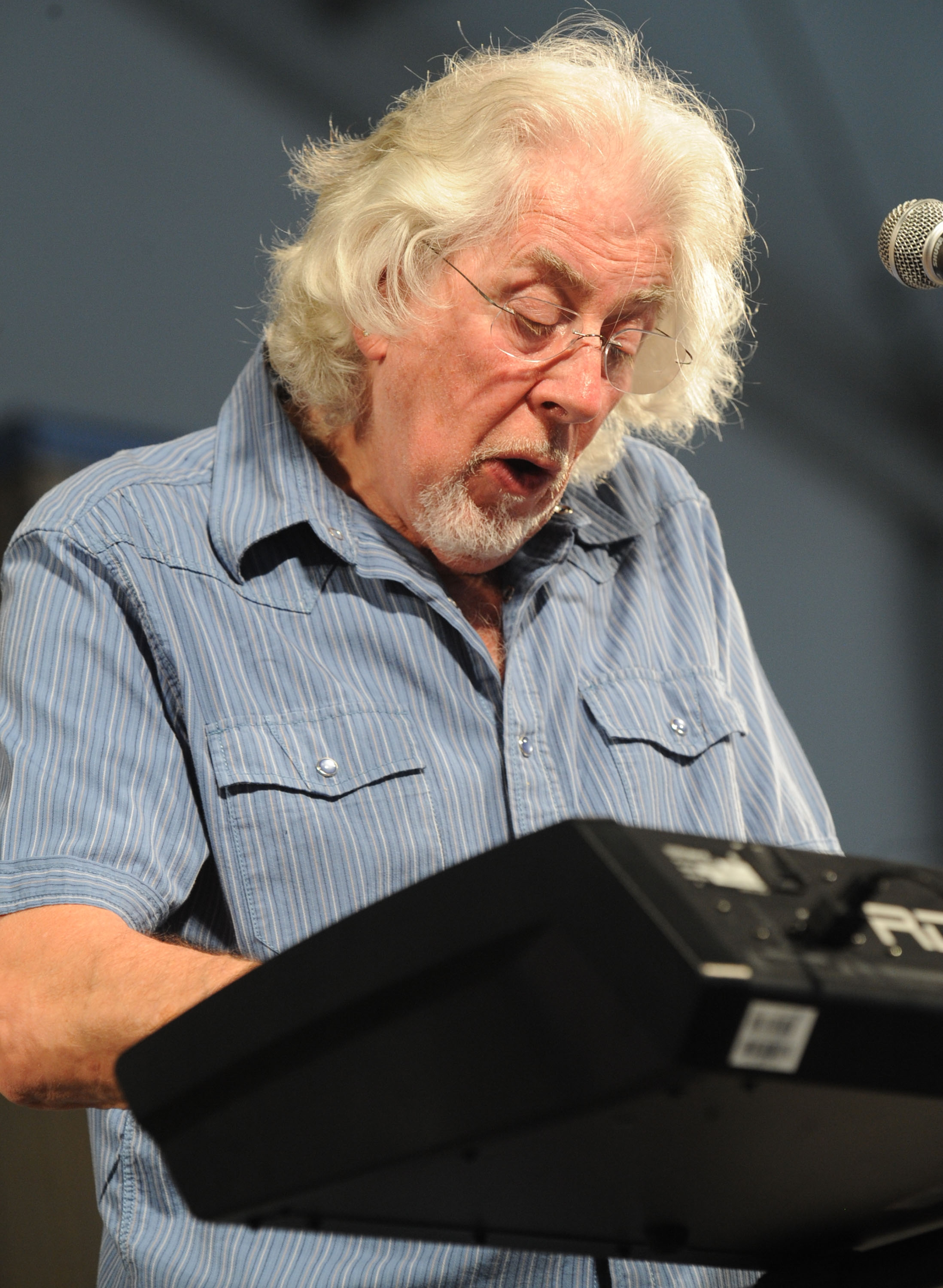 British blues legend John Mayall brings the latest version of the Bluesbreakers to the Old Falls Street stage Saturday evening.