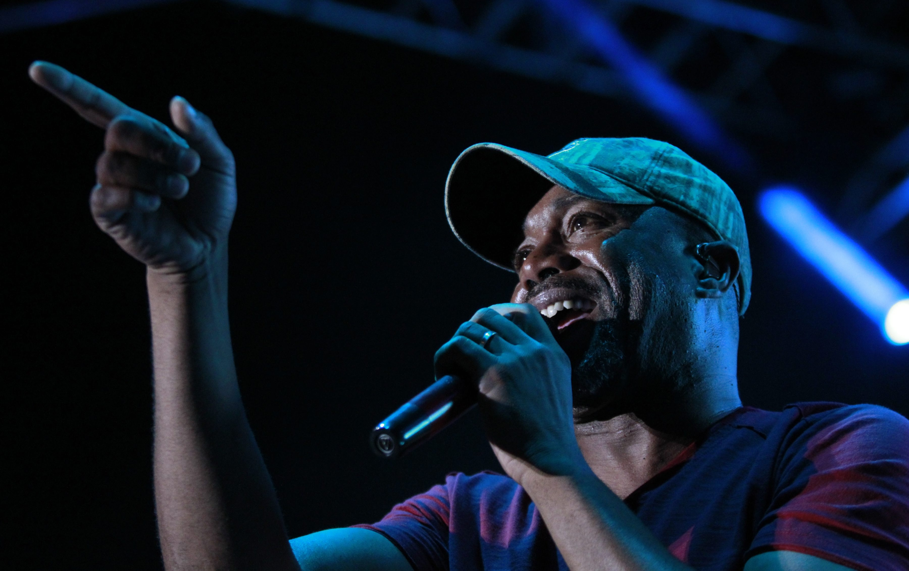 His friendship with Bruce Smith gives Darius Rucker clearance to sing the anthem at Thursday night's Bills-Jets game. (Harry Scull Jr./Buffalo News)