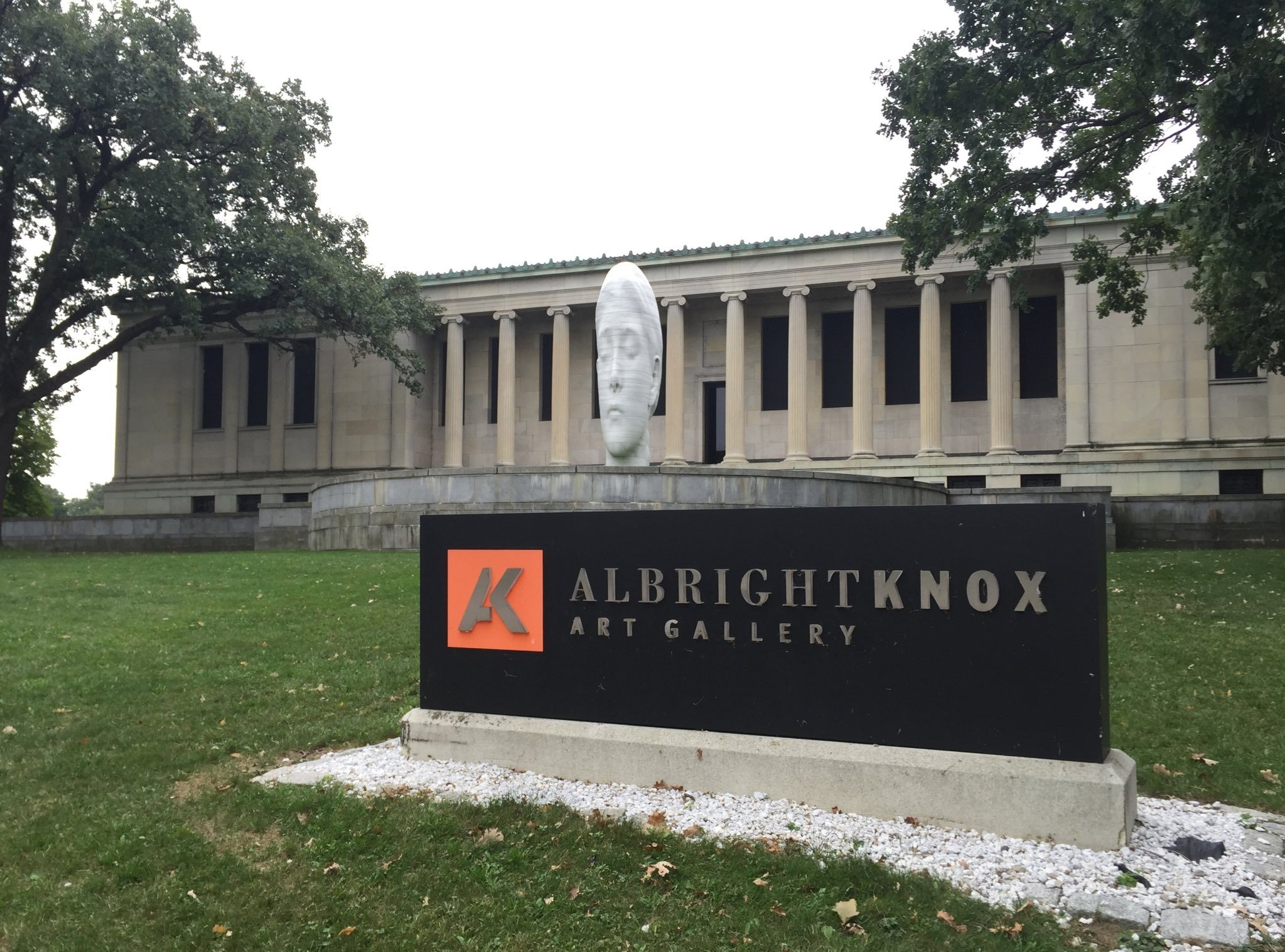 Live coverage: Cuomo speaks at Albright-Knox's formal announcement